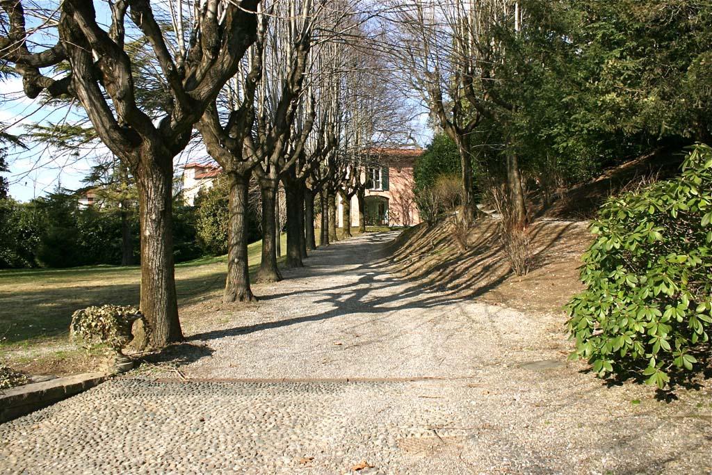 Villa in Affitto a Cadorago: 5 locali, 400 mq