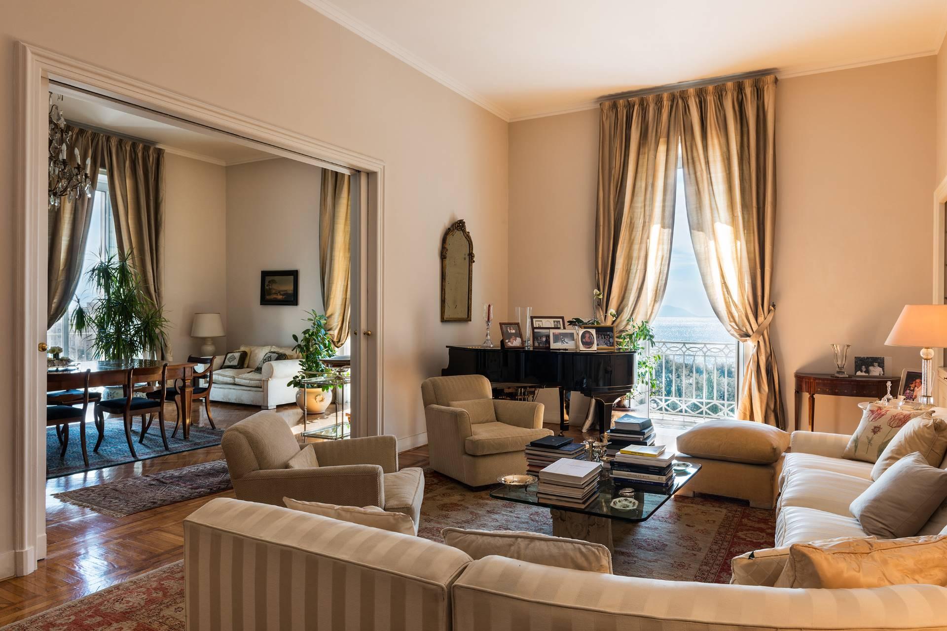 Appartamento in Vendita a Napoli: 5 locali, 350 mq - Foto 8