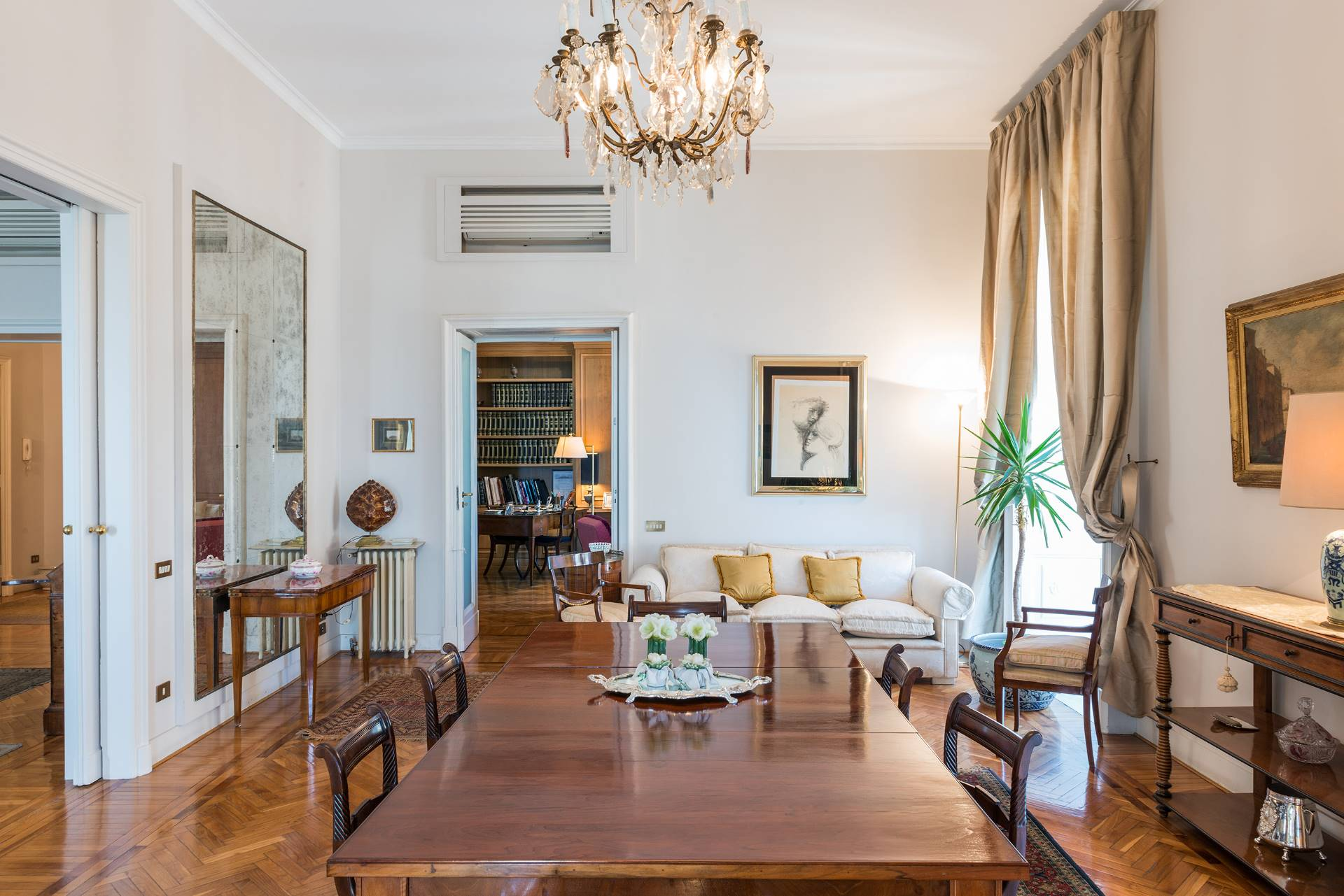 Appartamento in Vendita a Napoli: 5 locali, 450 mq - Foto 6