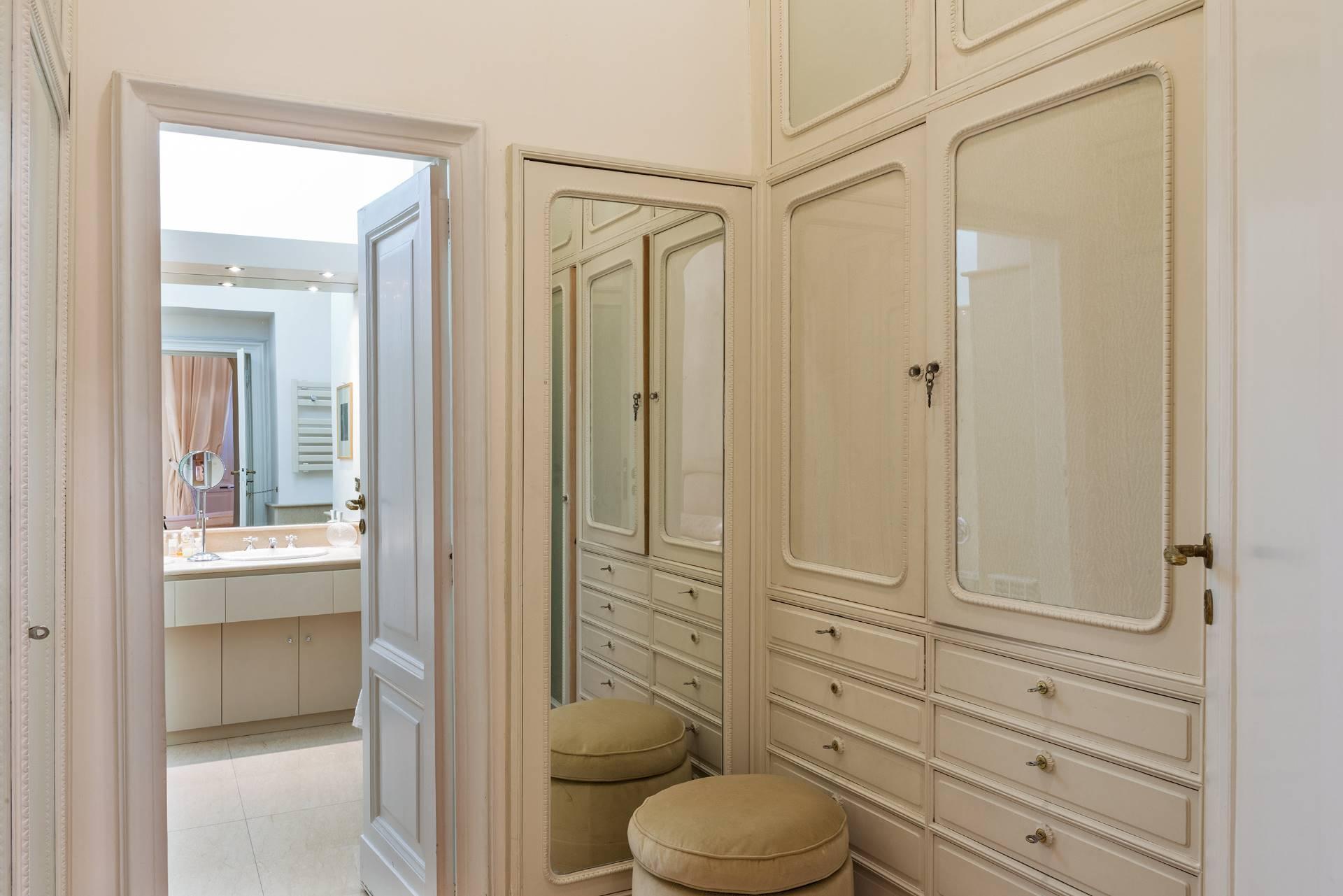Appartamento in Vendita a Napoli: 5 locali, 350 mq - Foto 14