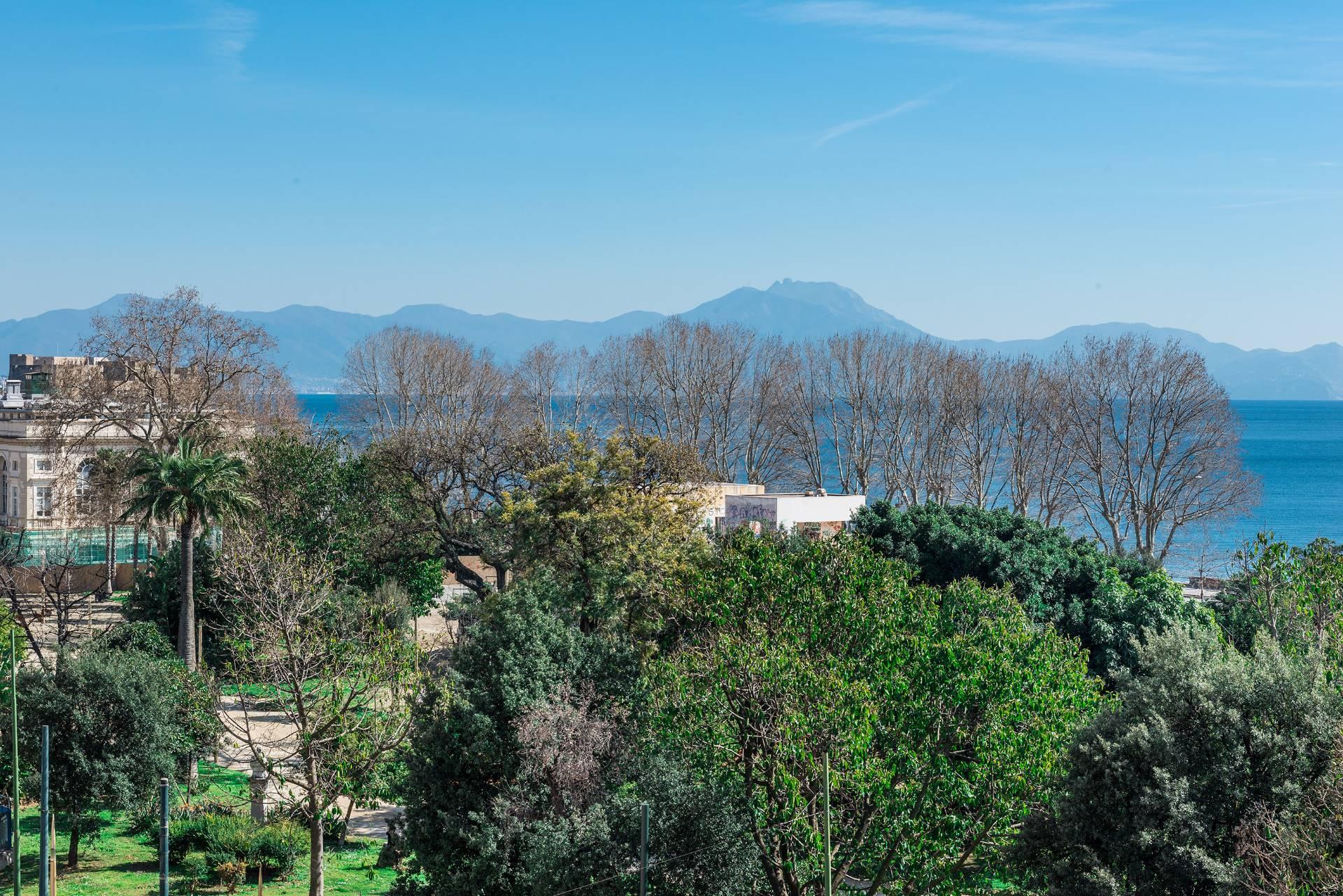 Appartamento in Vendita a Napoli: 5 locali, 350 mq - Foto 18