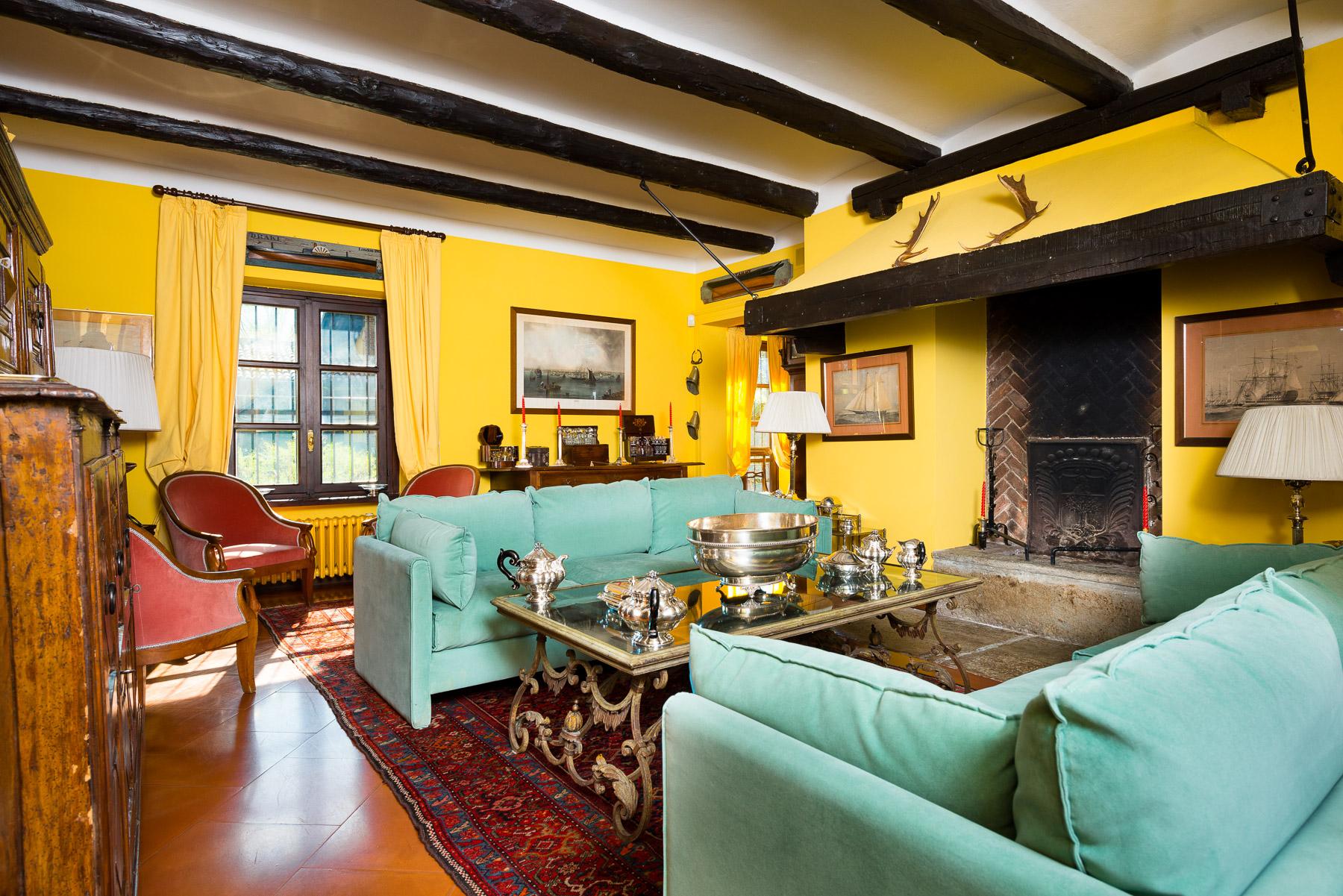 Casa indipendente in Vendita a Venaria: 5 locali, 500 mq - Foto 2