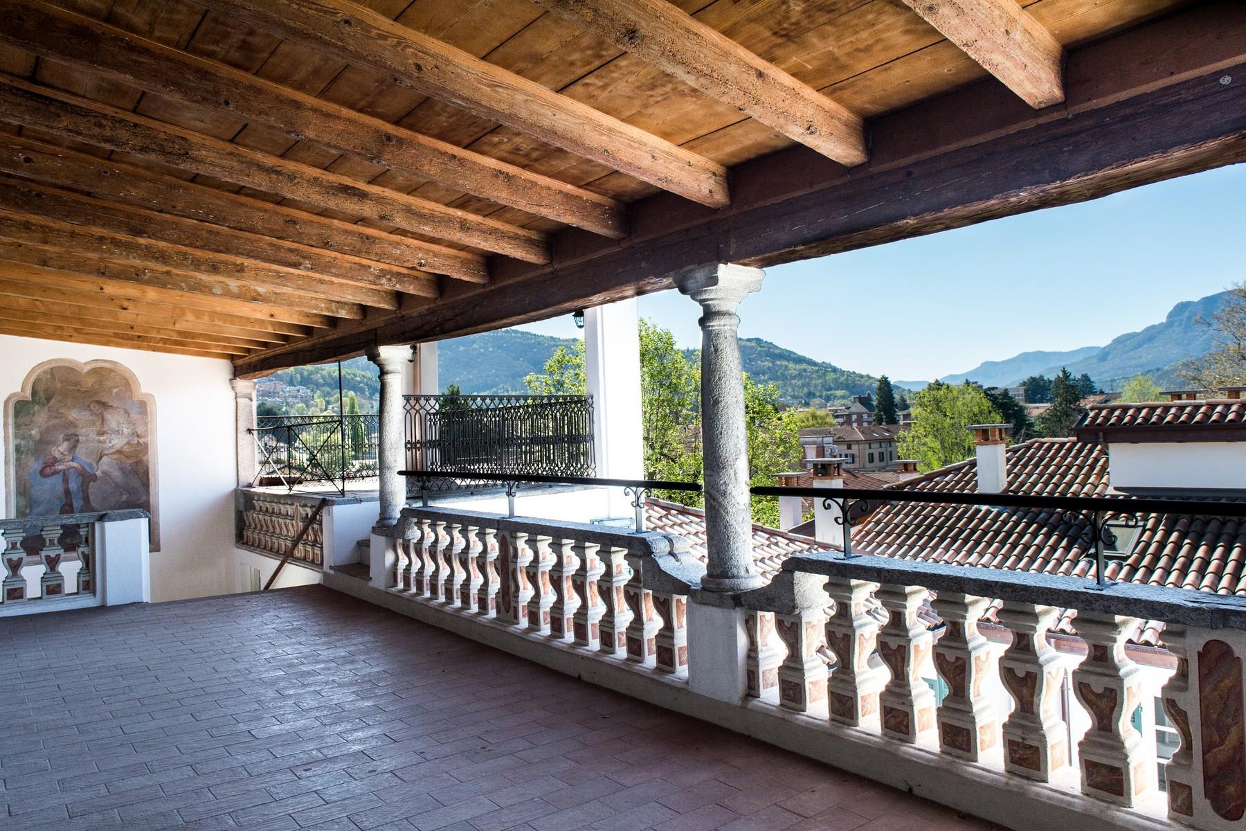 Palazzo in Vendita a Luino: 5 locali, 1200 mq