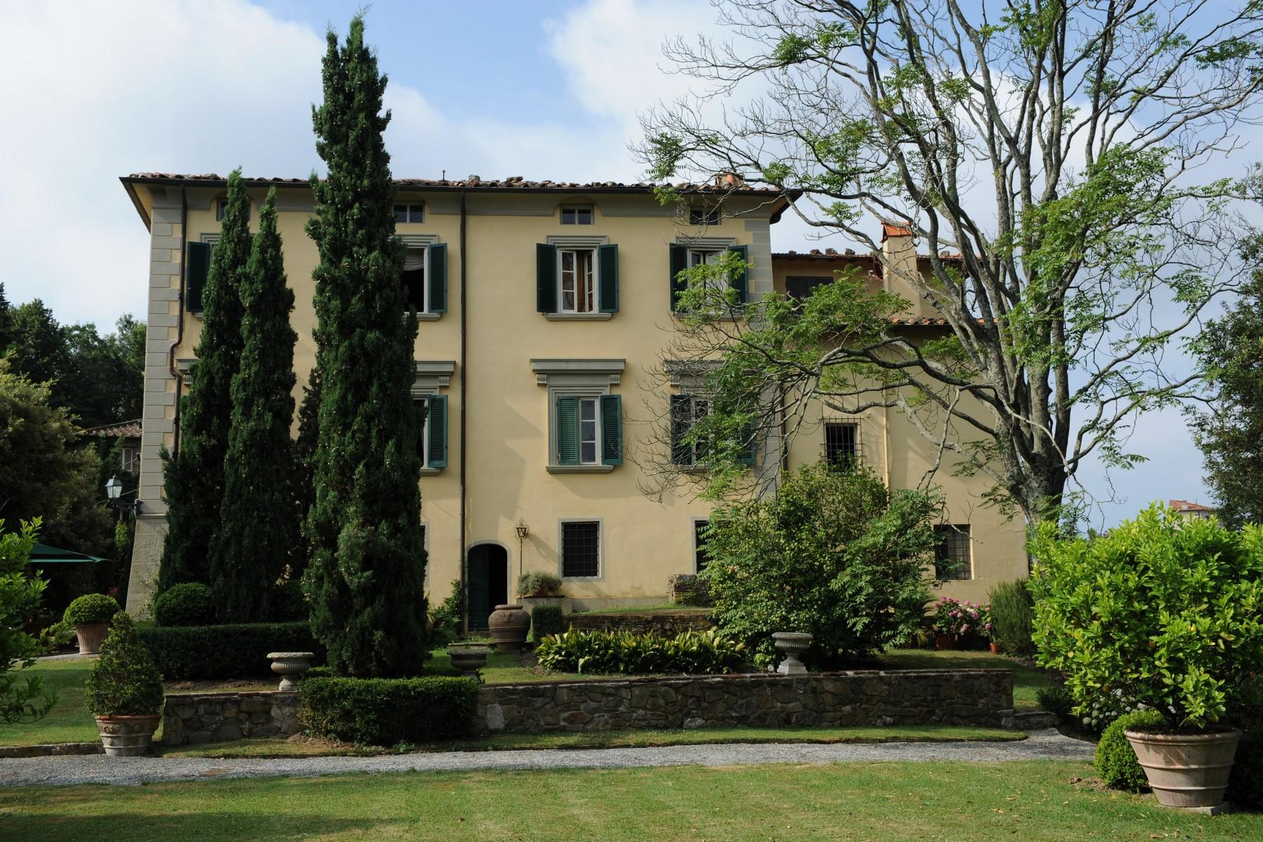 Villa in Vendita a Camaiore via giuseppe quirici