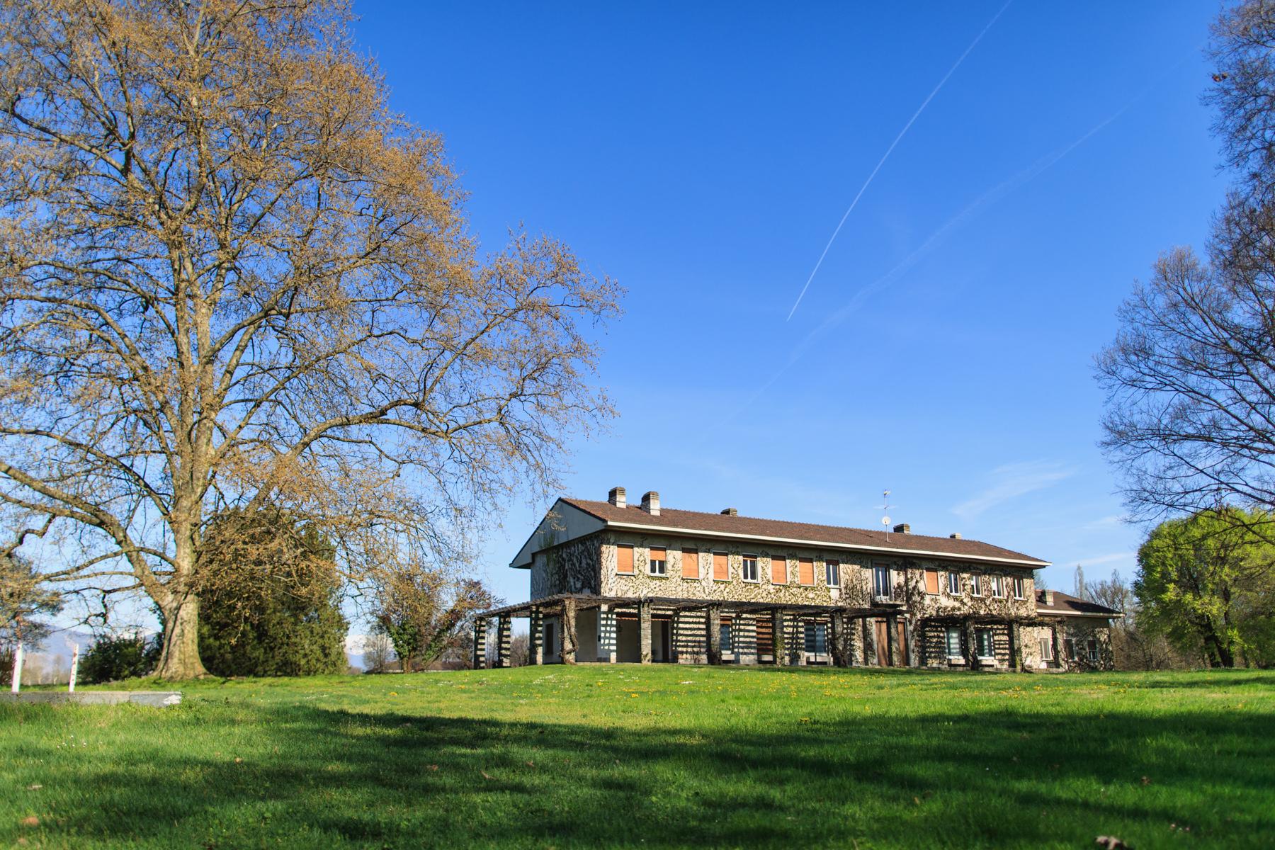 Casa indipendente in Vendita a Venaria: 5 locali, 1000 mq