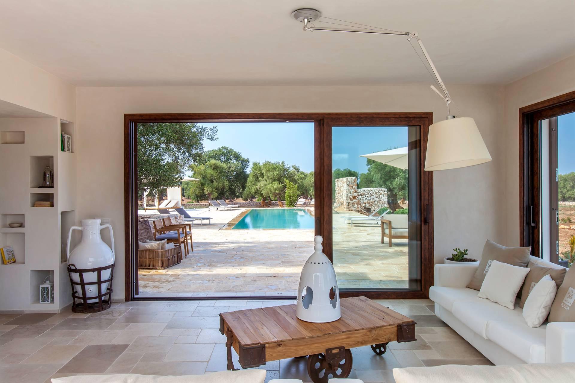 Villa in Vendita a Carovigno: 5 locali, 200 mq - Foto 2