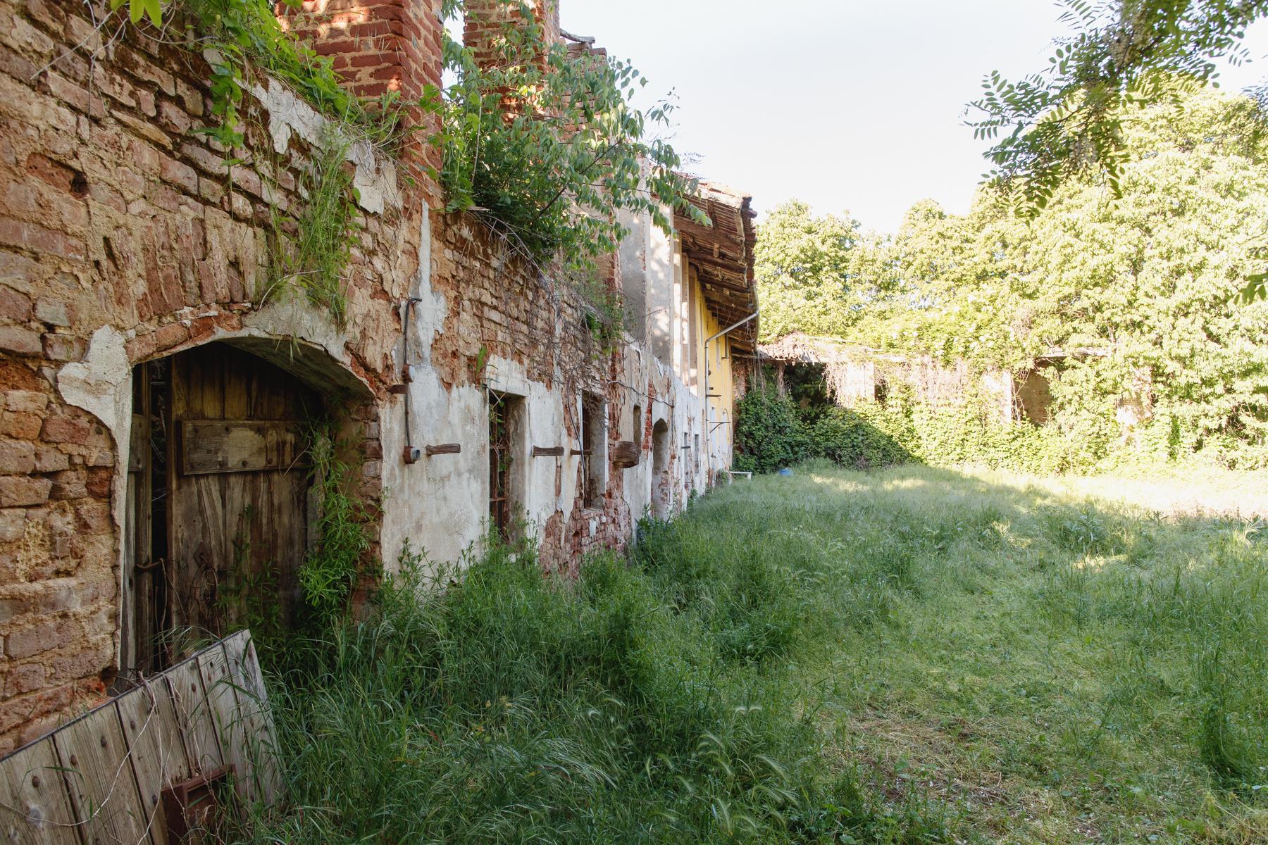 Rustico in Vendita a Chieri: 5 locali, 1500 mq - Foto 3