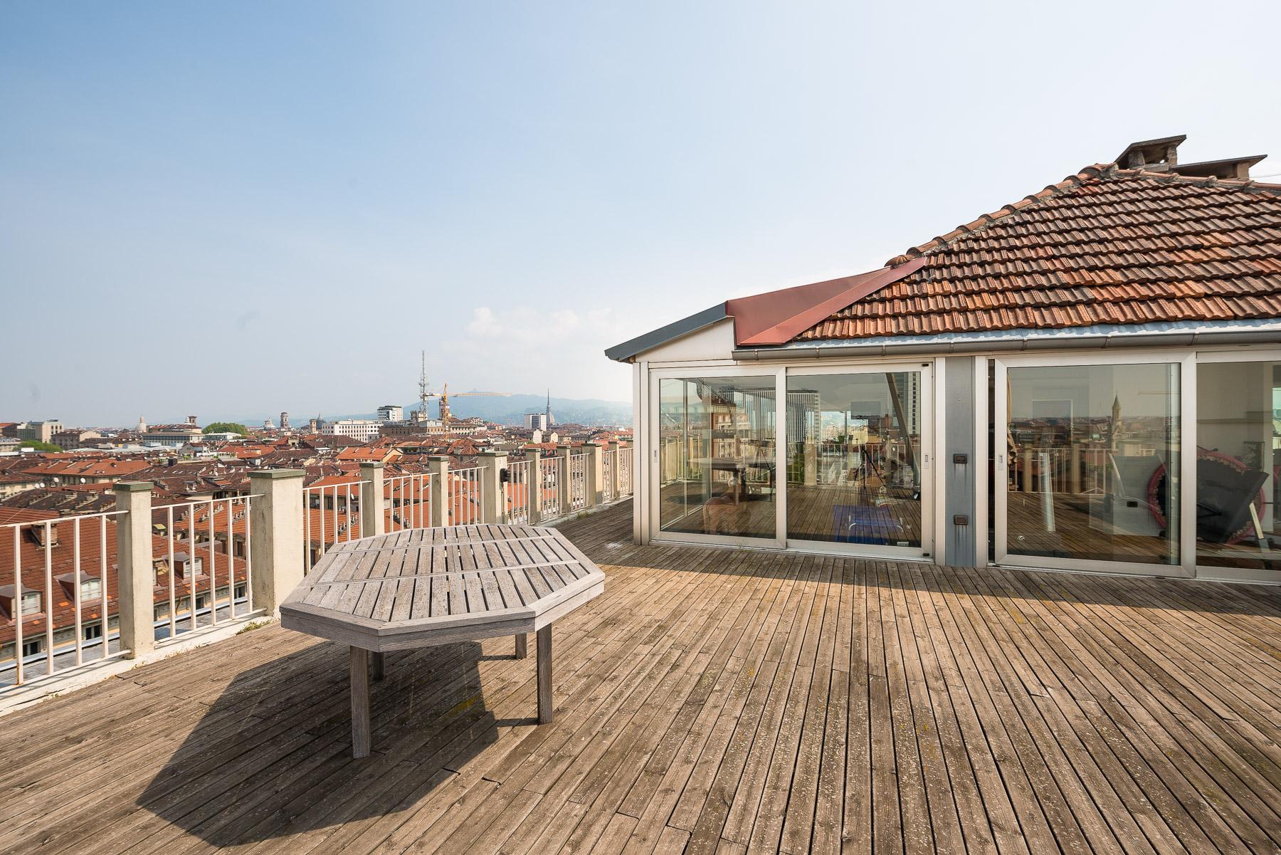 Appartamento in Vendita a Torino: 5 locali, 800 mq - Foto 2
