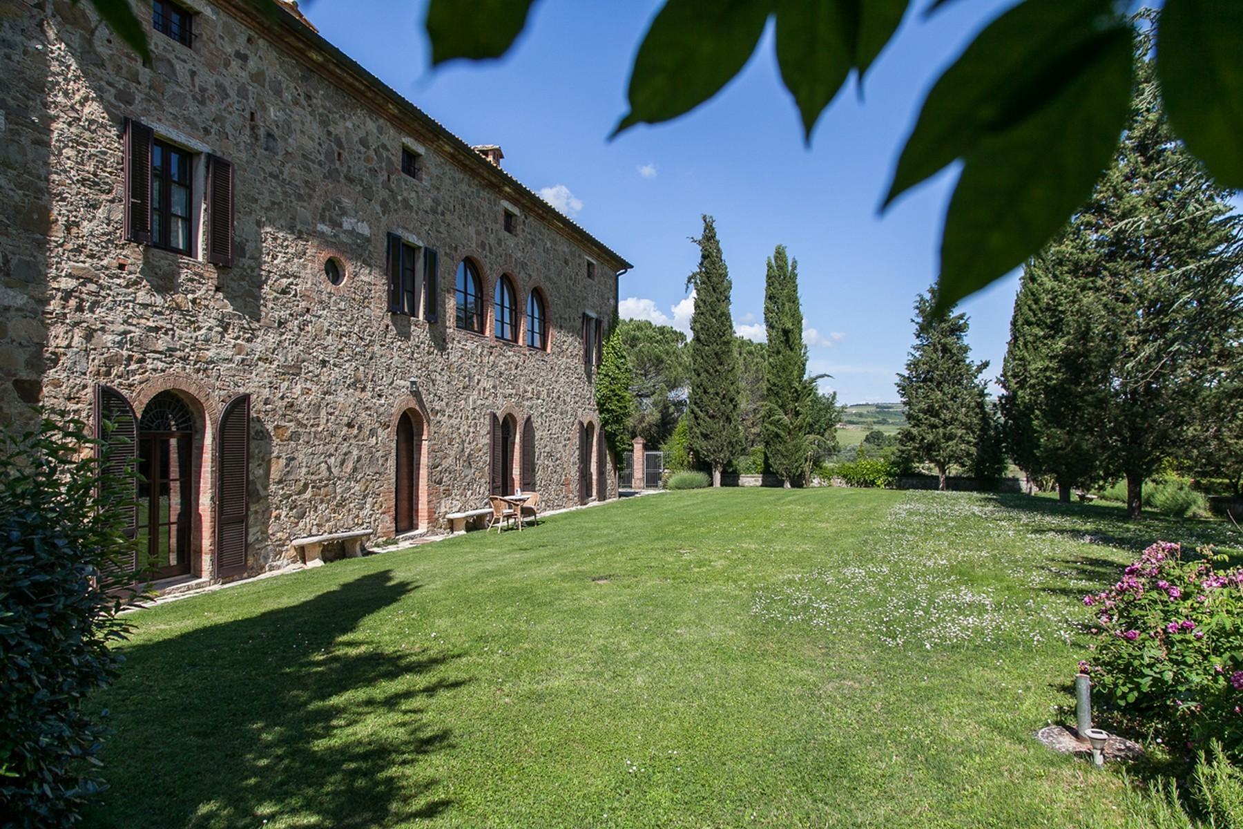 Rustico in Vendita a Montalcino: 5 locali, 900 mq - Foto 2
