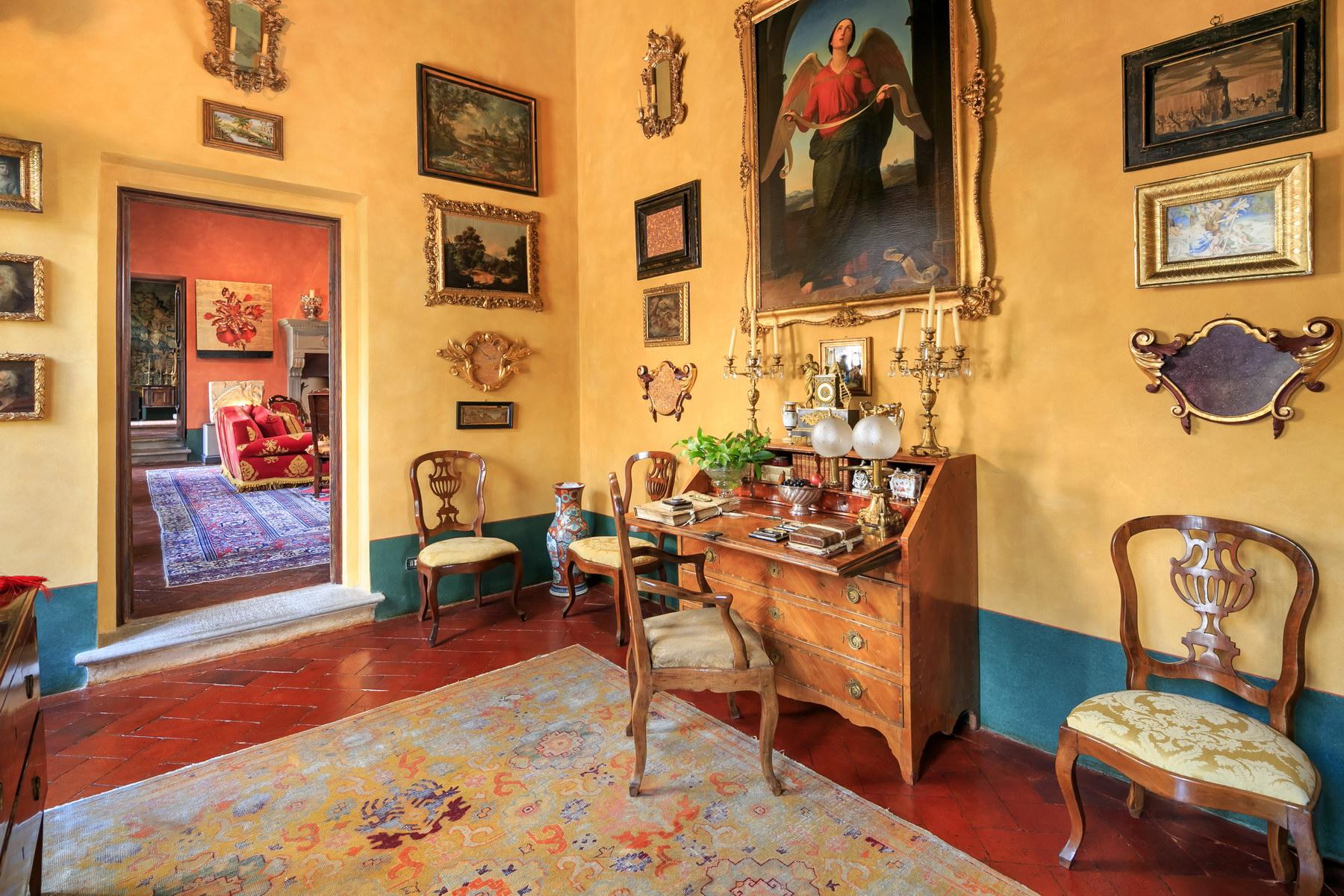 Appartamento in Vendita a Firenze: 5 locali, 600 mq - Foto 2