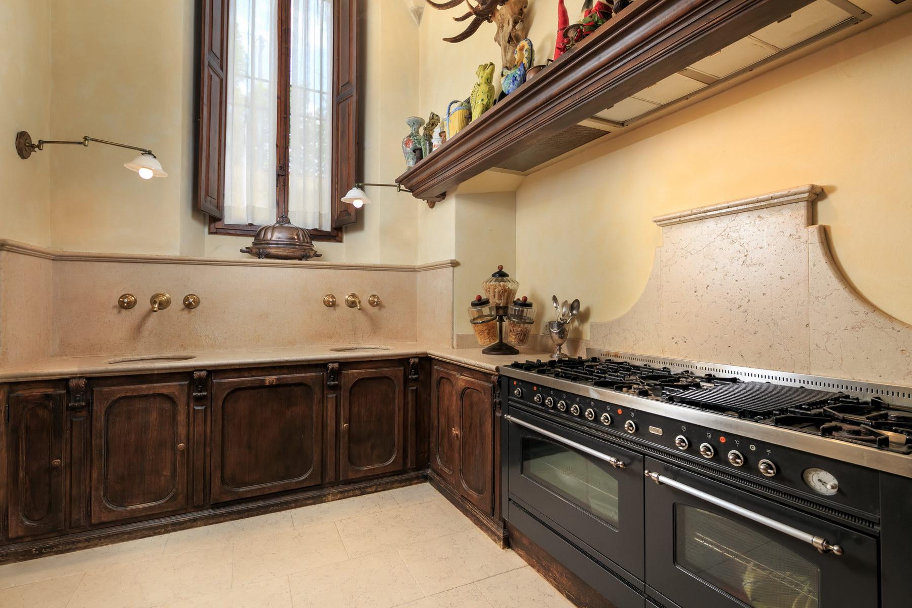Appartamento in Vendita a Firenze: 5 locali, 600 mq - Foto 8