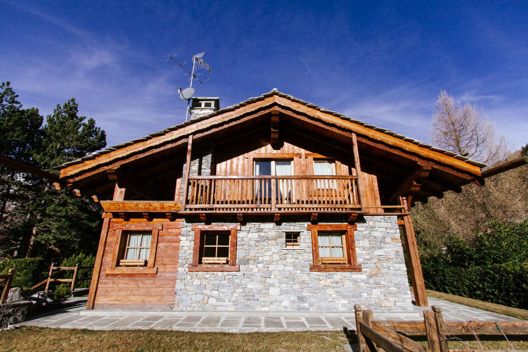 Villa in Vendita a Pre'-Saint-Didier: 5 locali, 350 mq