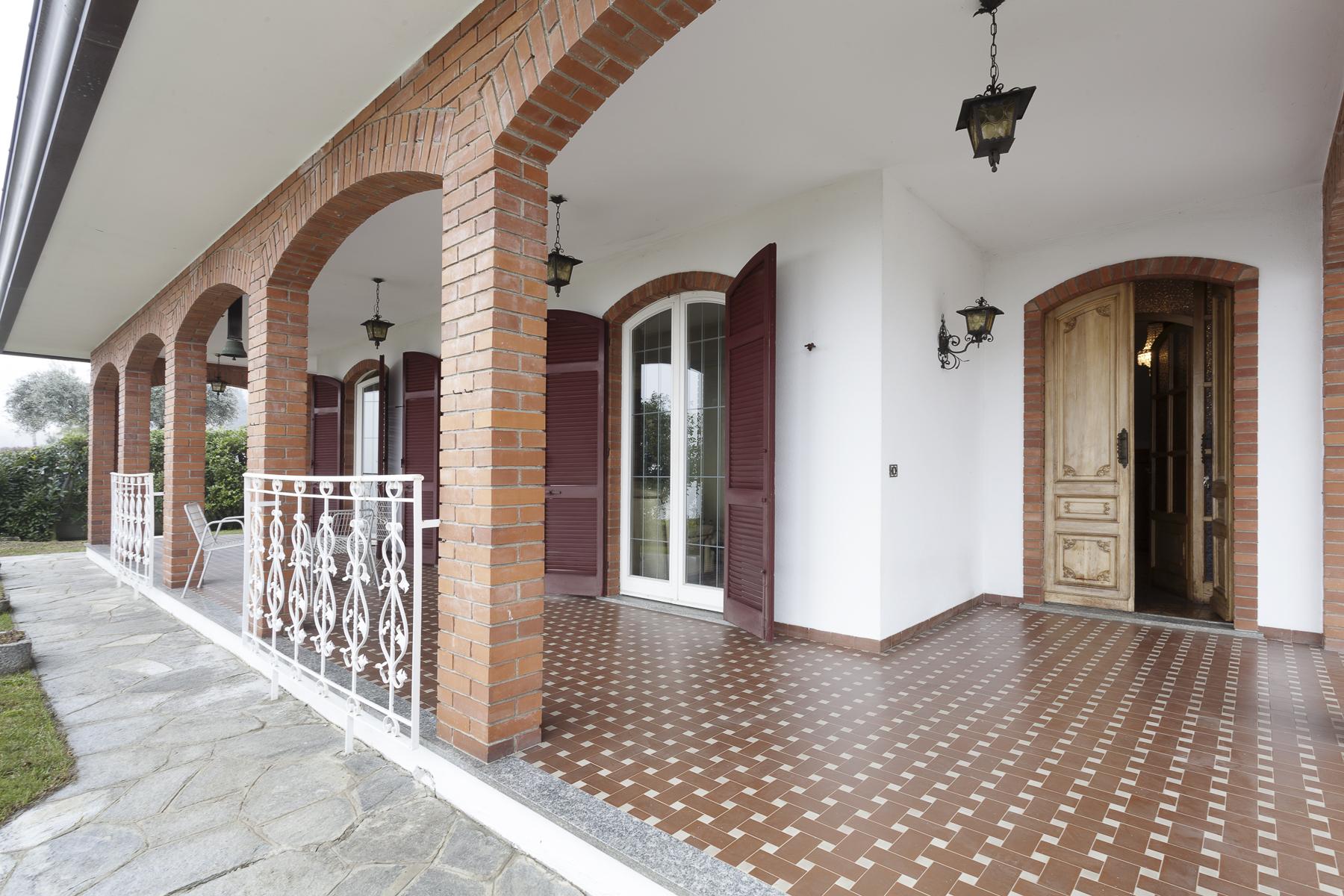 Villa in Vendita a Nebbiuno: 5 locali, 370 mq - Foto 2