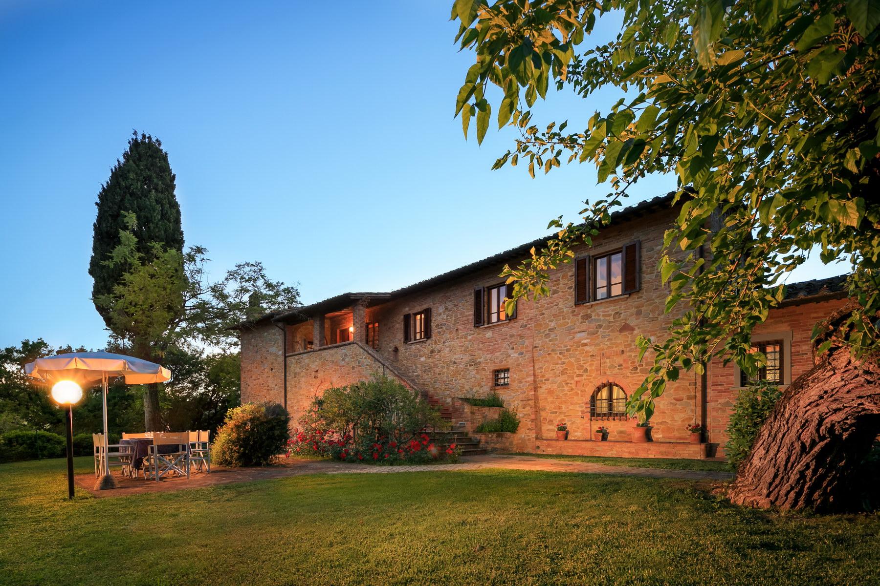 Rustico in Vendita a Montaione: 5 locali, 550 mq