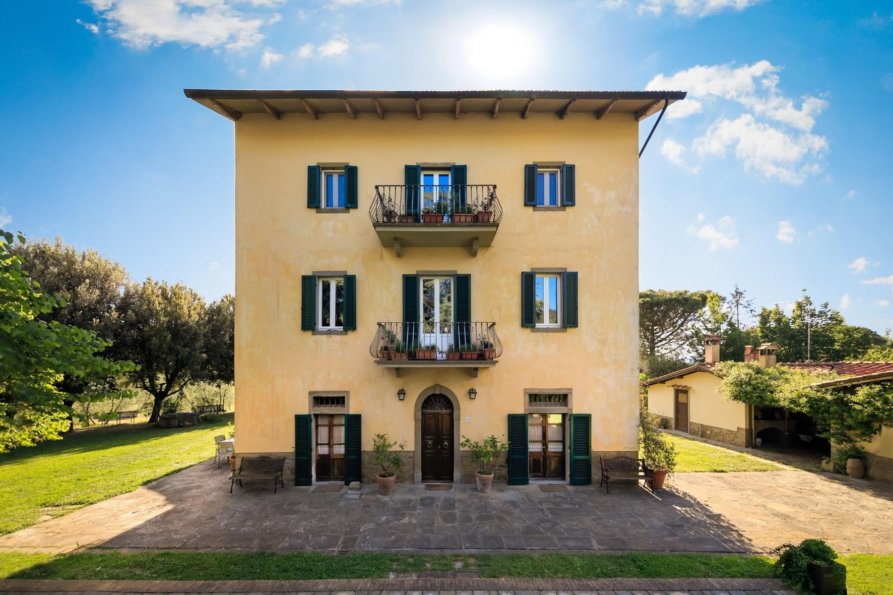Villa in Vendita a Castiglion Fiorentino: 5 locali, 1032 mq
