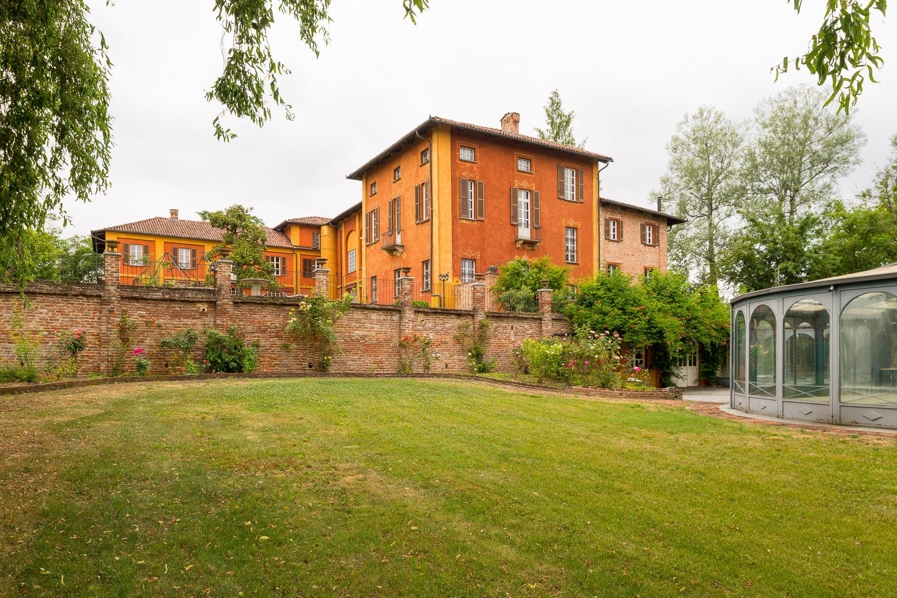 Villa in Vendita a San Damiano D'Asti: 5 locali, 1800 mq