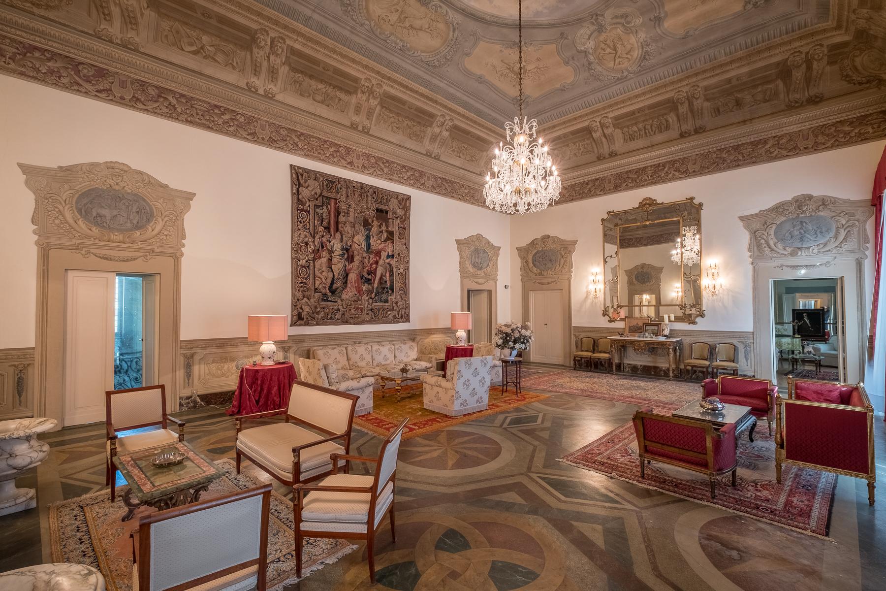 Appartamento in Vendita a Firenze: 5 locali, 500 mq - Foto 2