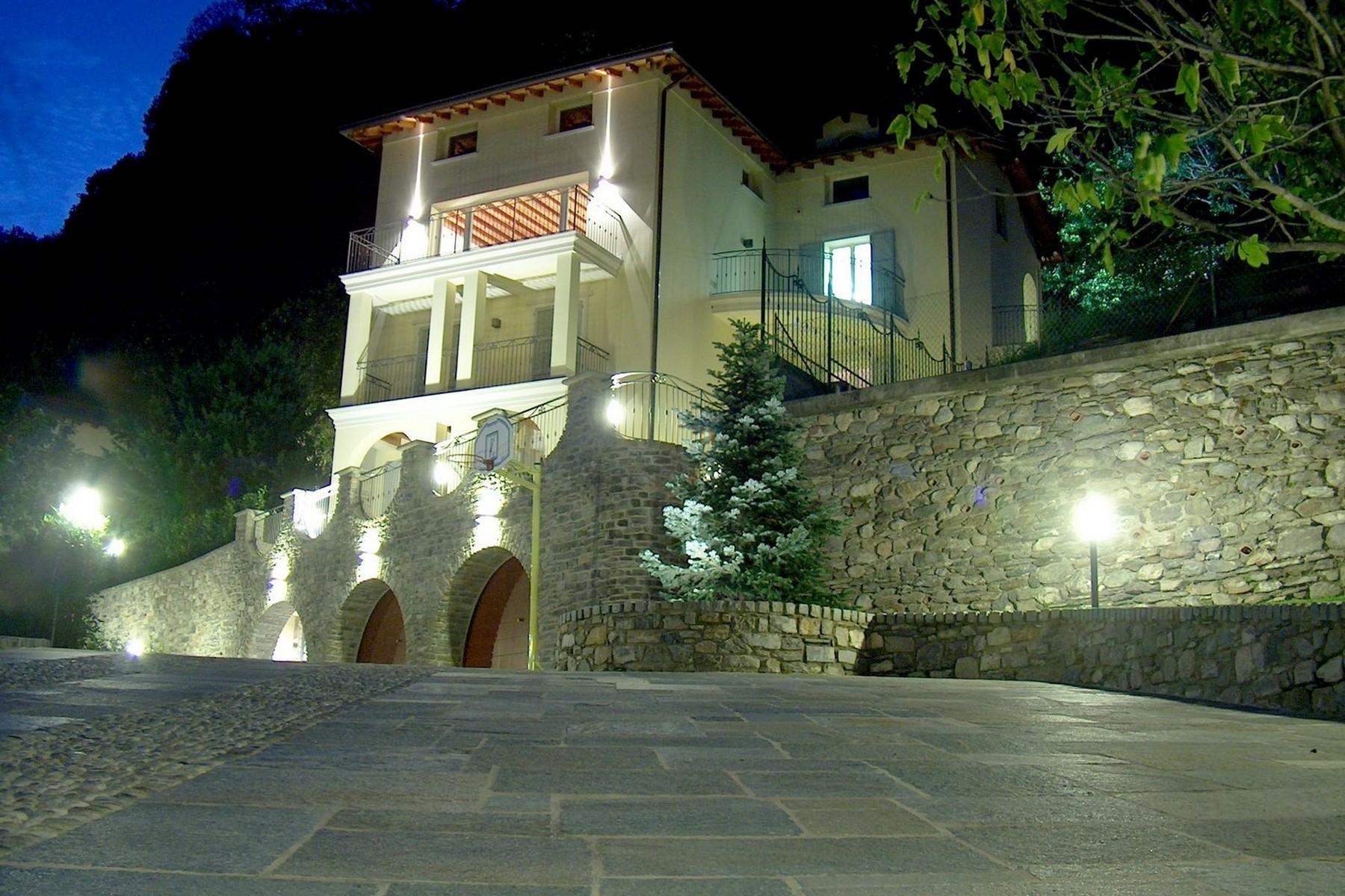 Villa in Vendita a Domaso: 5 locali, 600 mq - Foto 2