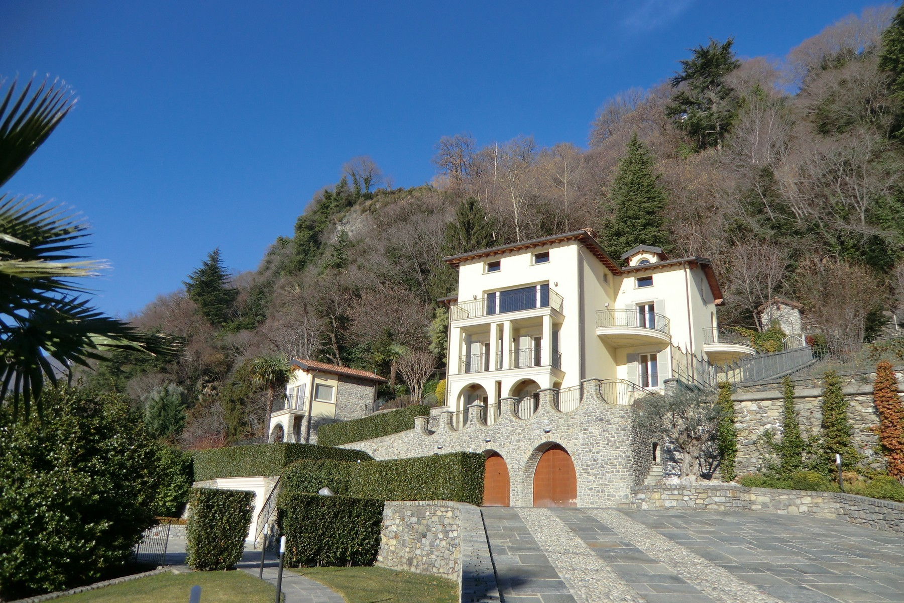 Villa in Vendita a Domaso: 5 locali, 600 mq - Foto 3