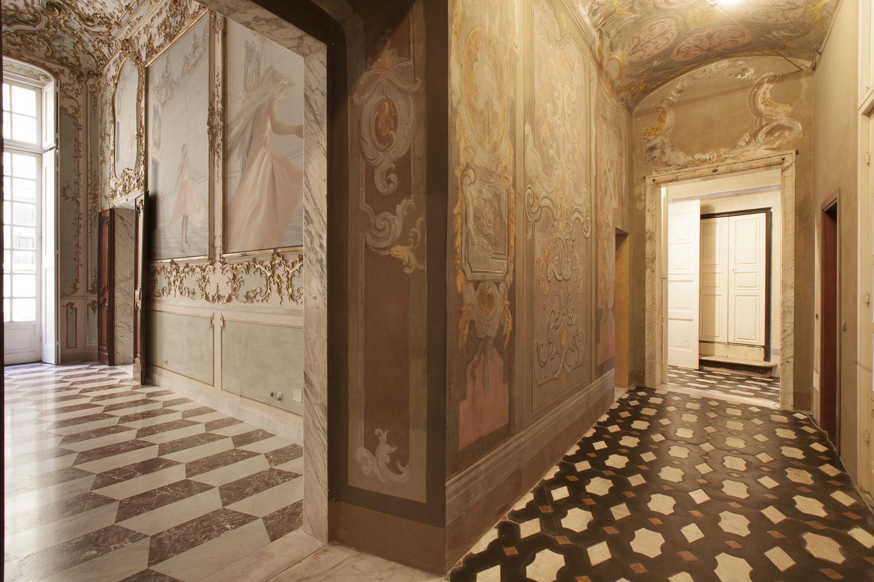 Appartamento in Vendita a Genova: 5 locali, 600 mq