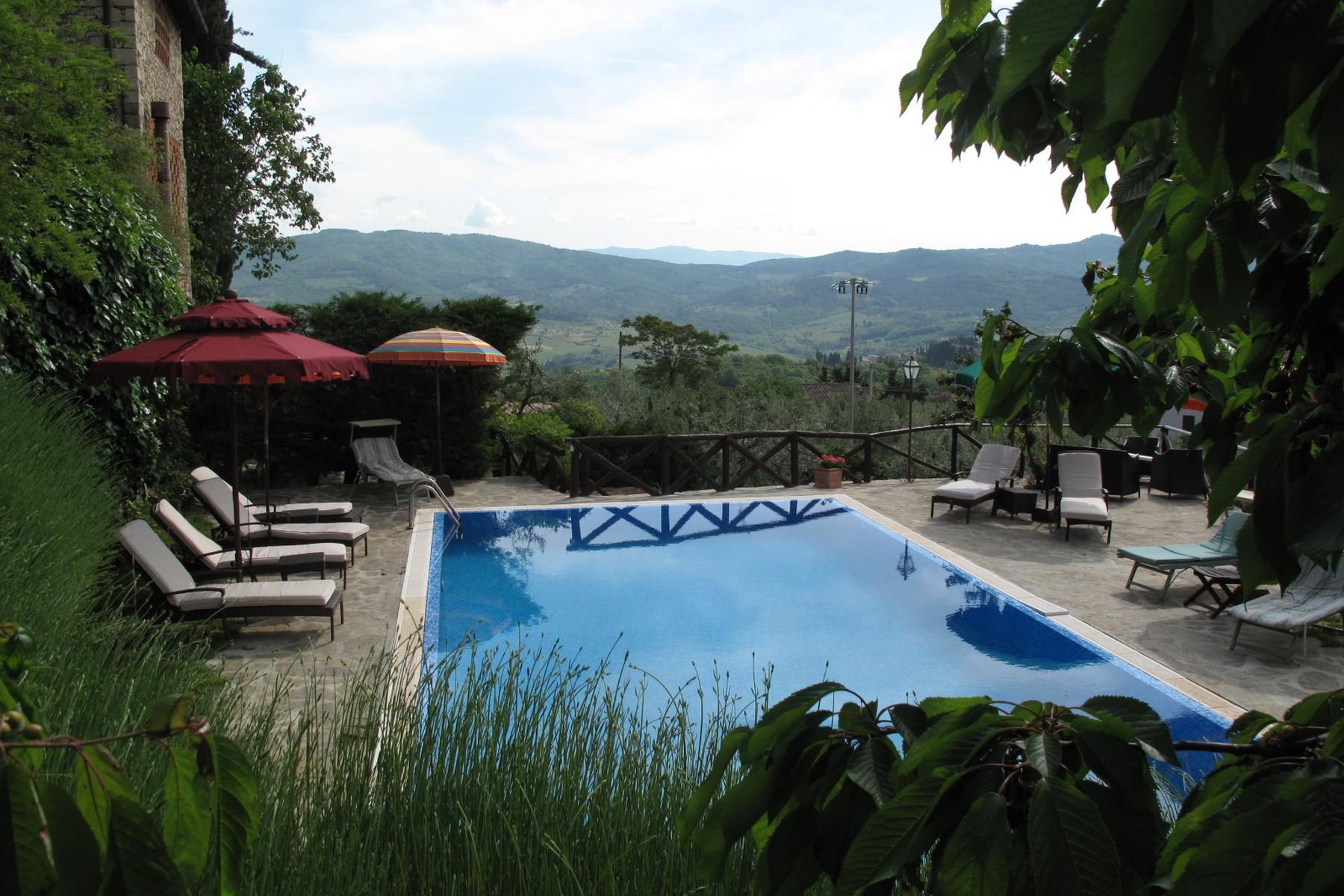 Villa in Vendita a Greve In Chianti: 5 locali, 400 mq