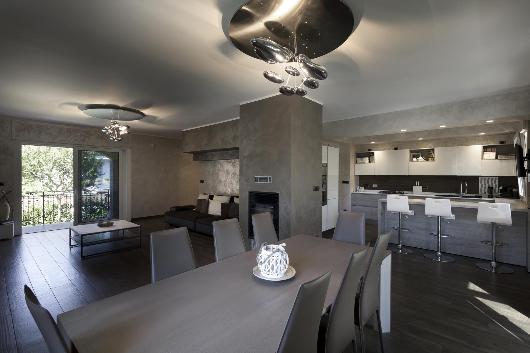 Casa indipendente in Vendita a Moncalieri: 5 locali, 250 mq - Foto 2