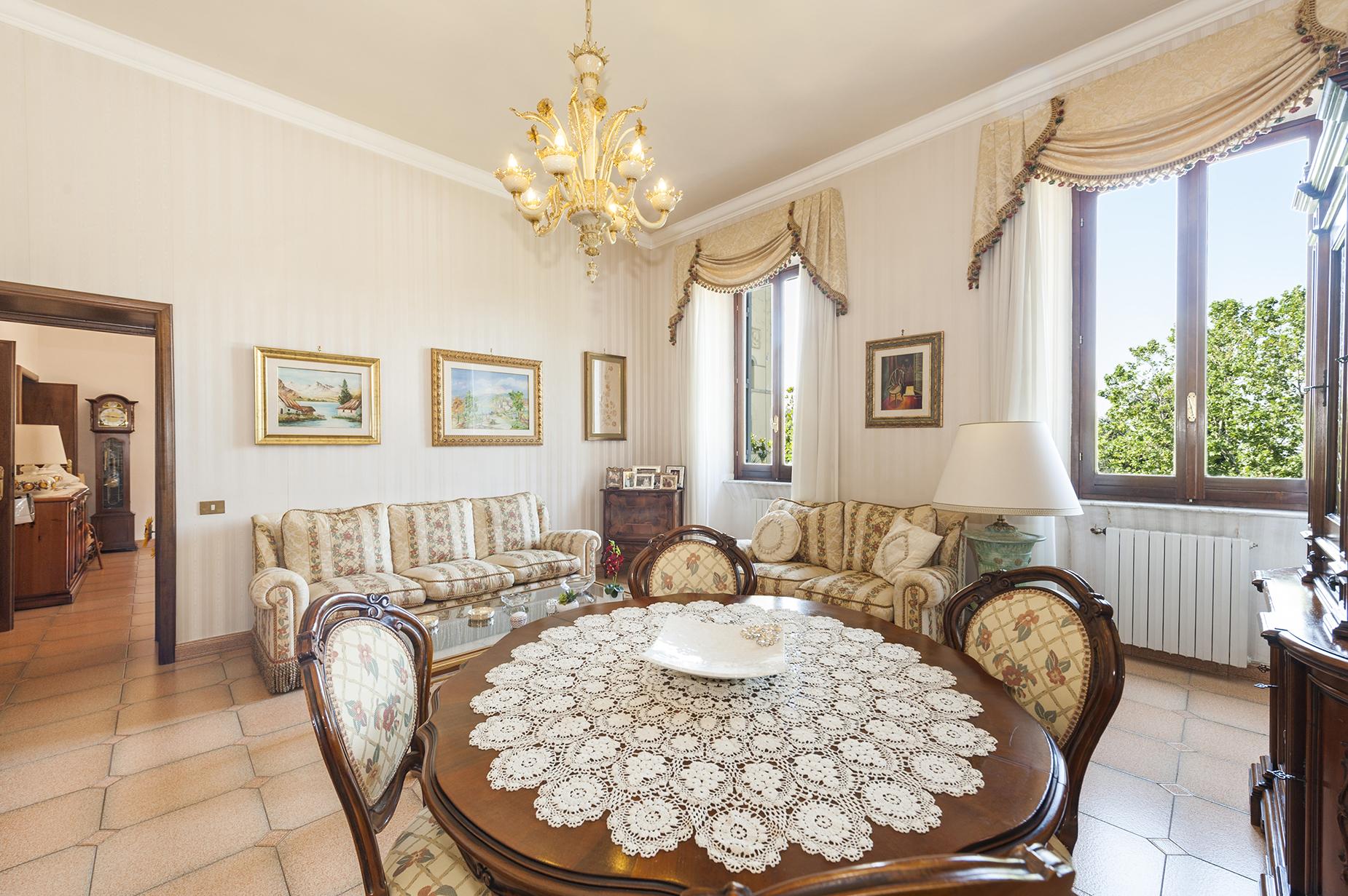 Appartamento in Vendita a Ariccia: 5 locali, 220 mq - Foto 2