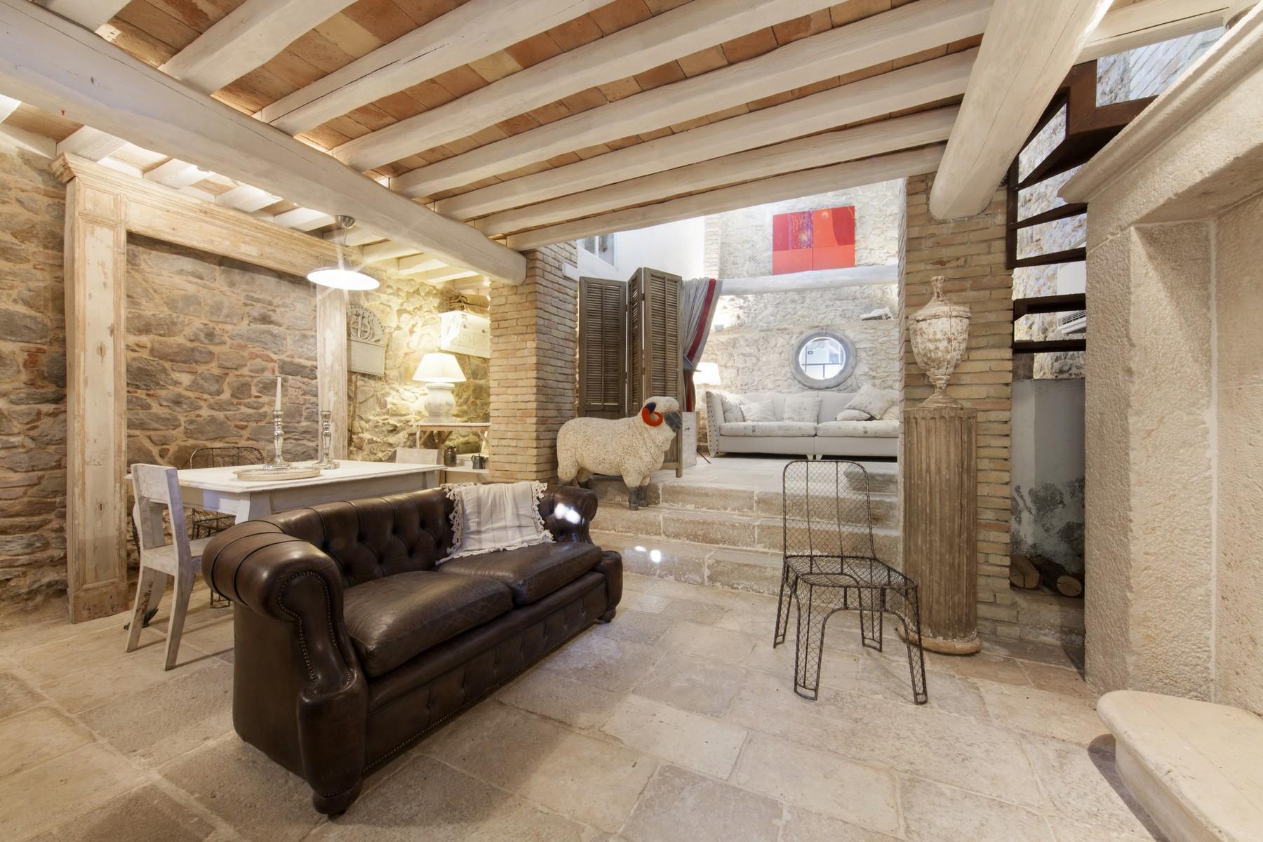 Appartamento di lusso in vendita a magliano in toscana via for Planimetrie della cabina di lusso