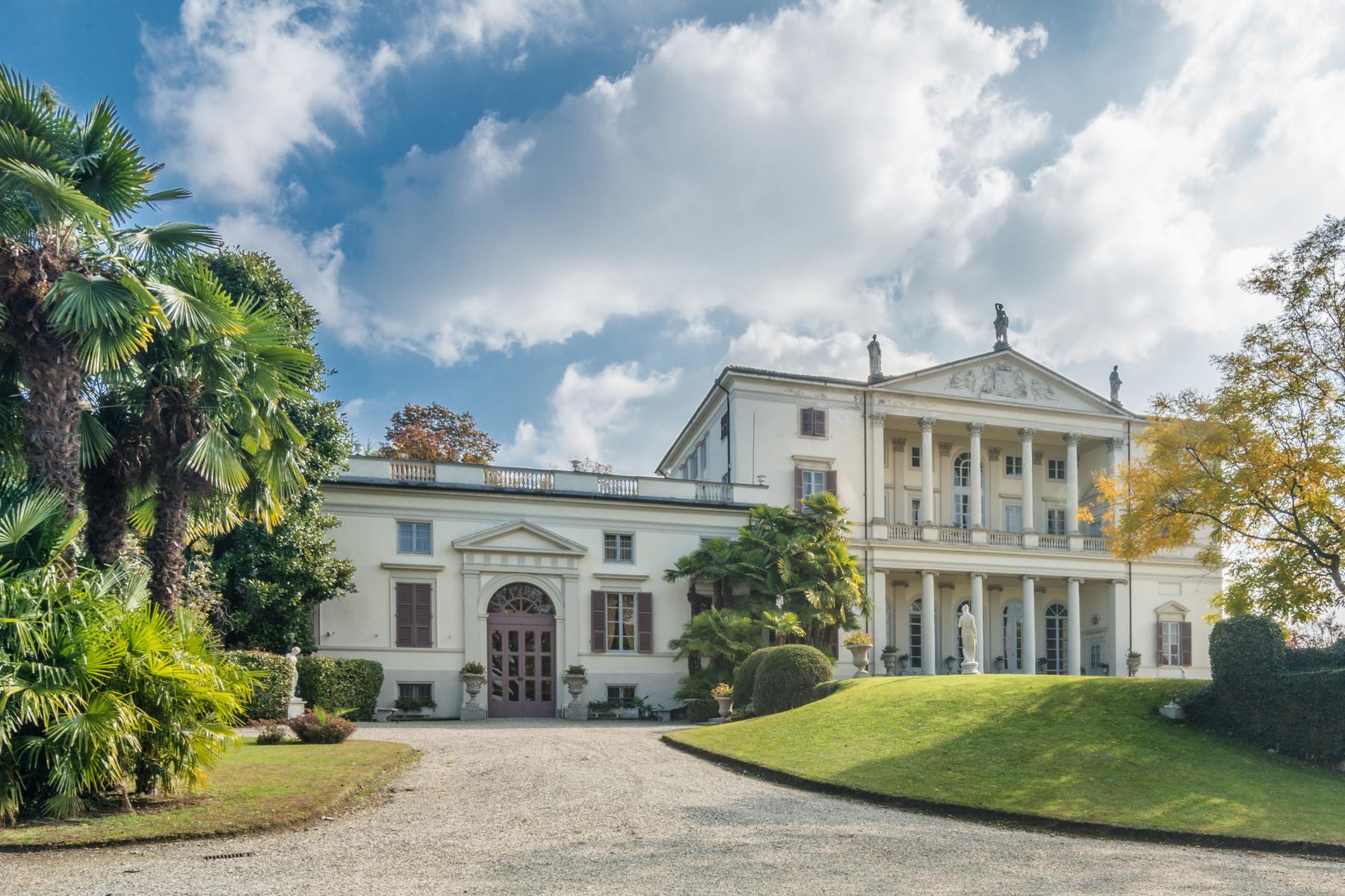 Villa in Vendita a Castagneto Po: 5 locali, 2500 mq - Foto 3