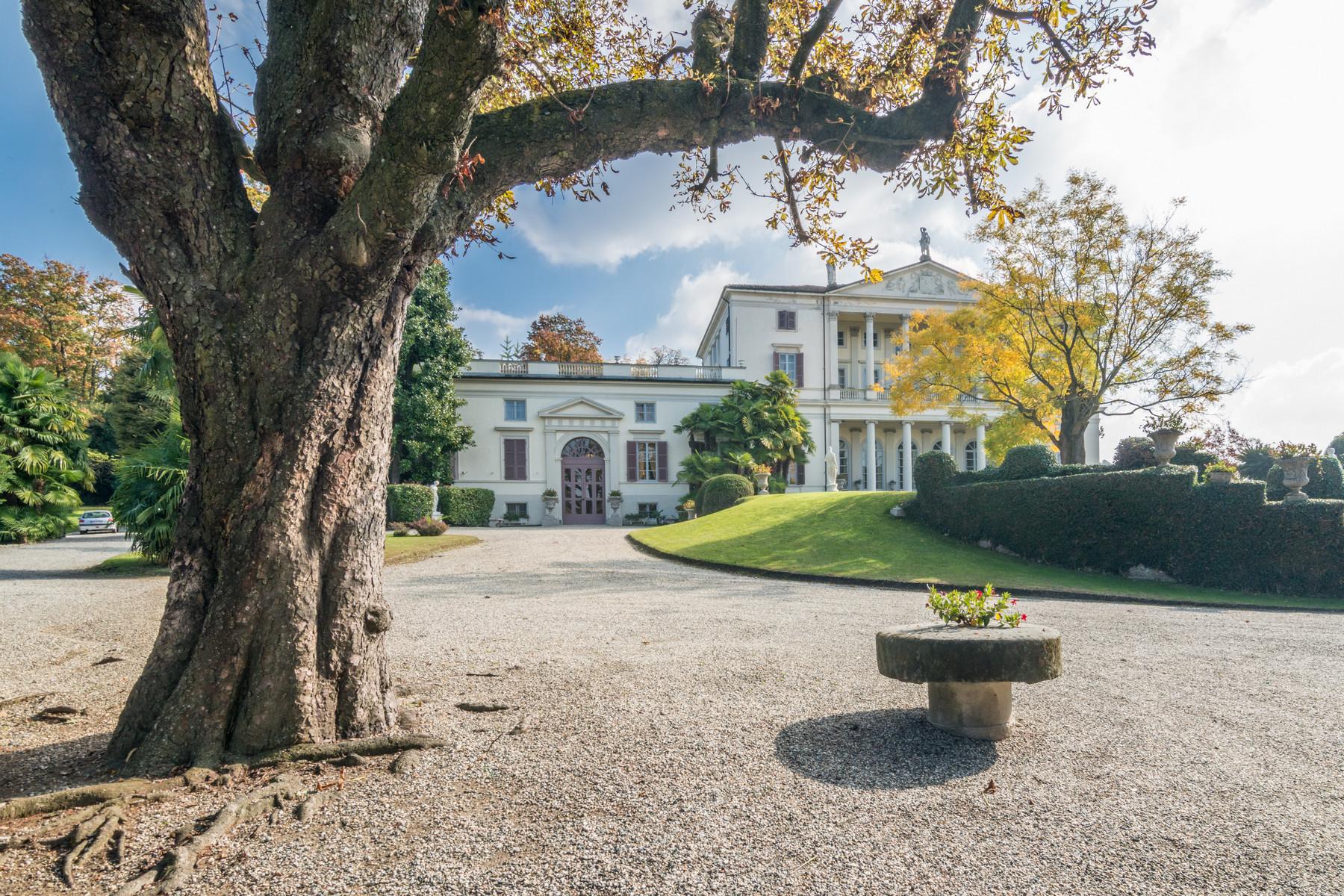 Villa in Vendita a Castagneto Po: 5 locali, 2500 mq - Foto 4