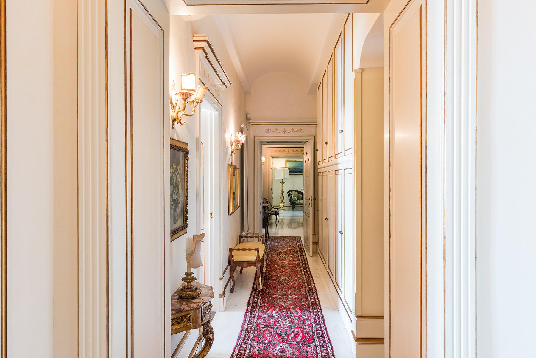 Appartamento in Vendita a Napoli: 5 locali, 350 mq - Foto 10