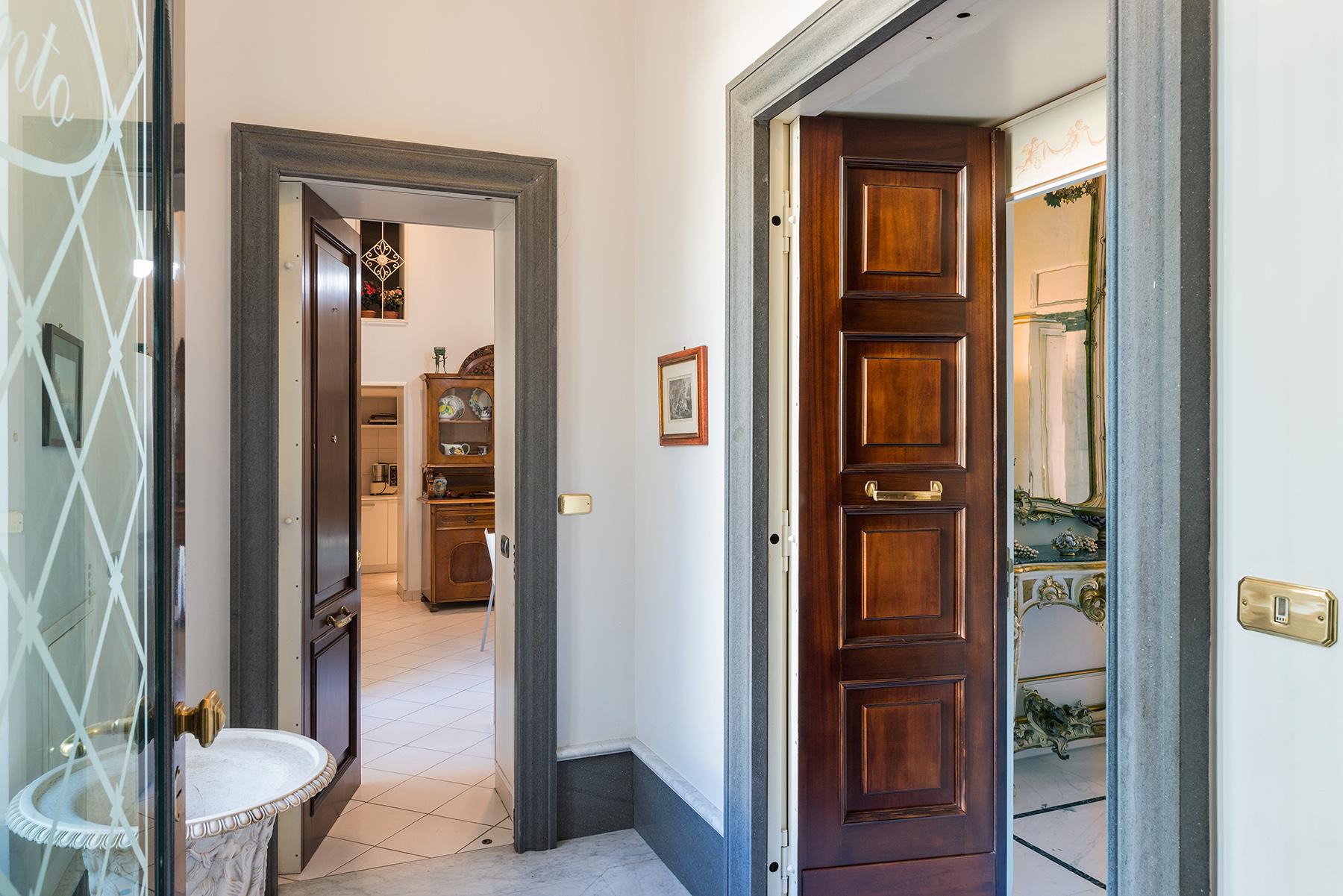 Appartamento in Vendita a Napoli: 5 locali, 350 mq - Foto 13