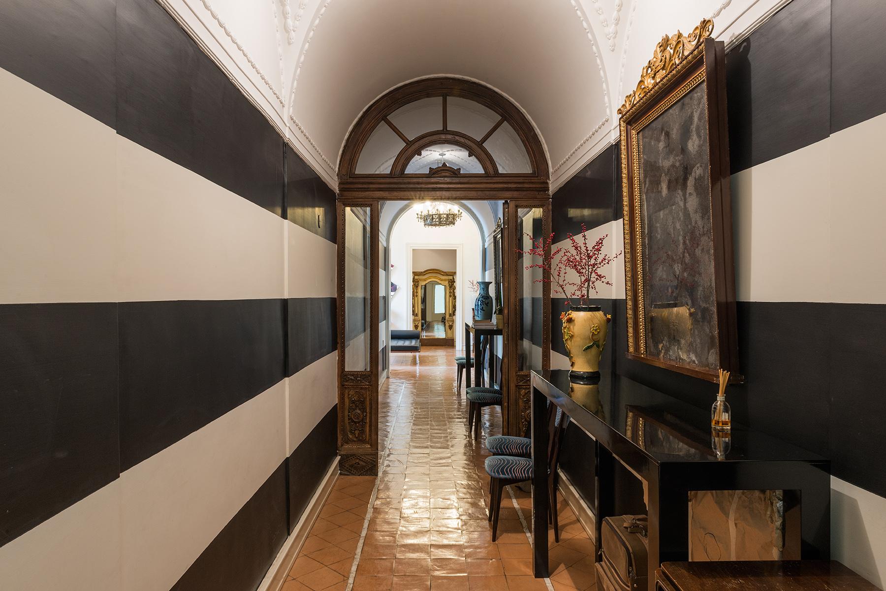 Appartamento in Vendita a Napoli: 5 locali, 300 mq - Foto 6