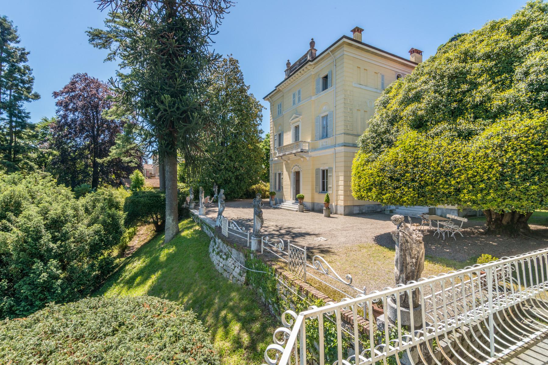 Villa in Vendita a Pella: 5 locali, 702 mq