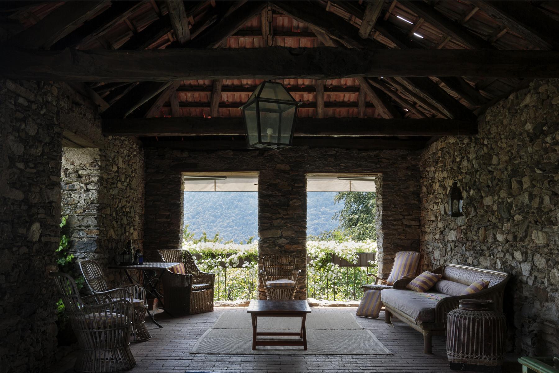 Villa in Vendita a Pettenasco: 5 locali, 394 mq