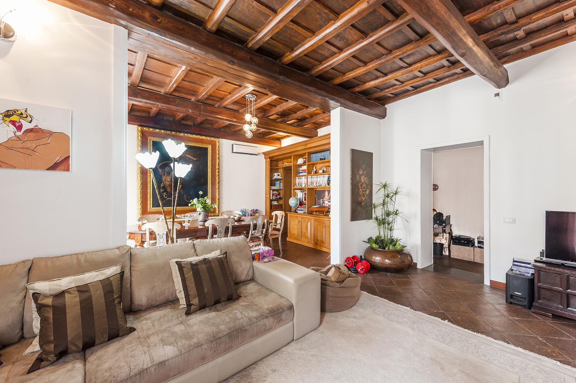 Appartamento in Vendita a Roma 01 Centro Storico: 4 locali, 145 mq