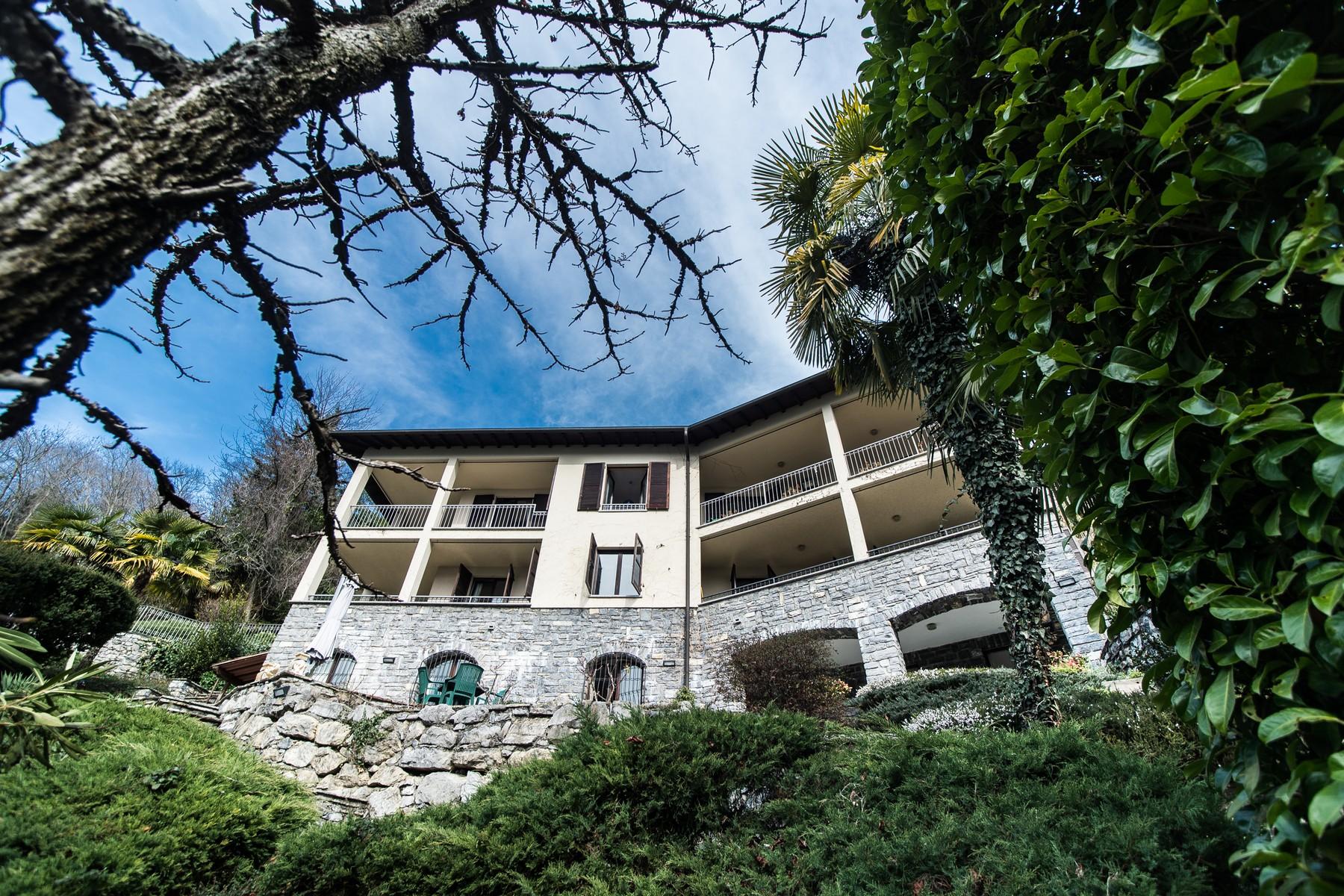 Villa in Vendita a Valsolda: 5 locali, 700 mq - Foto 1