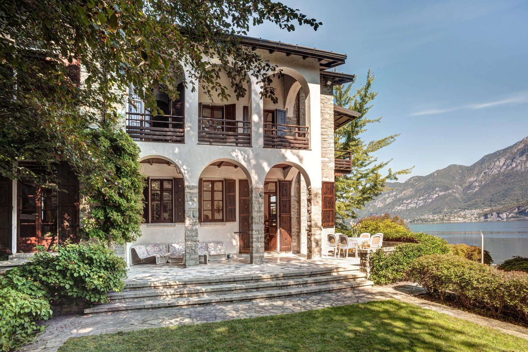 Villa in Vendita a Oliveto Lario via cadorna