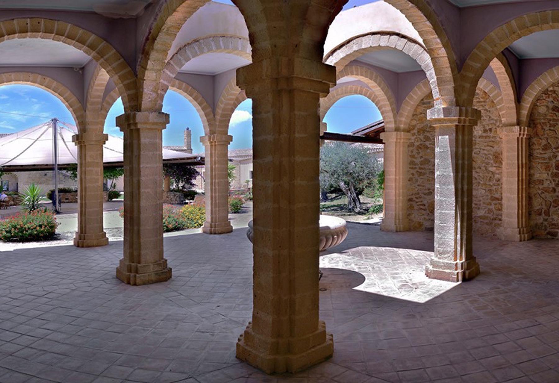 Villa in Vendita a Menfi: 5 locali, 4400 mq - Foto 4