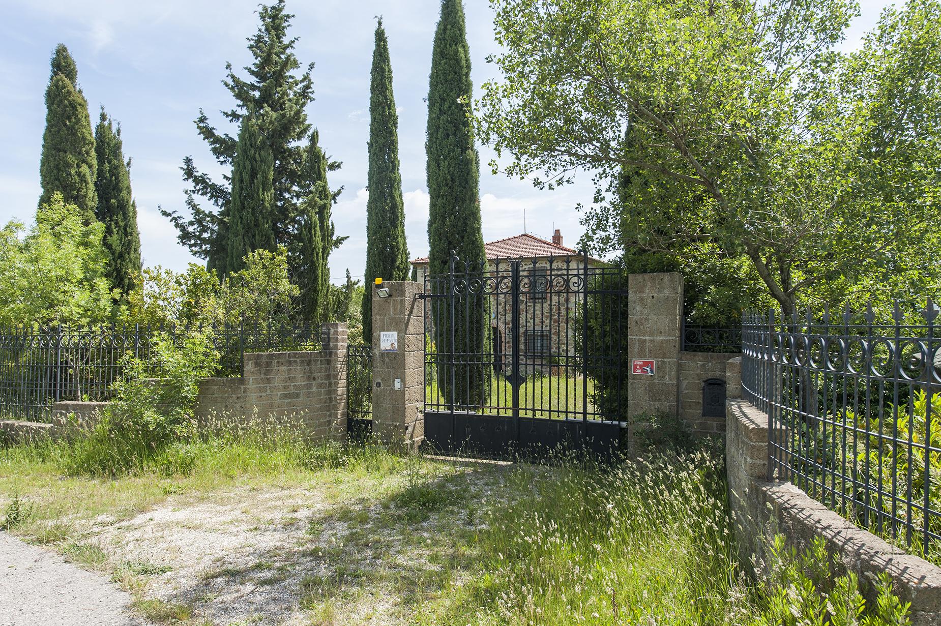 Rustico in Vendita a Roccalbegna: 5 locali, 300 mq