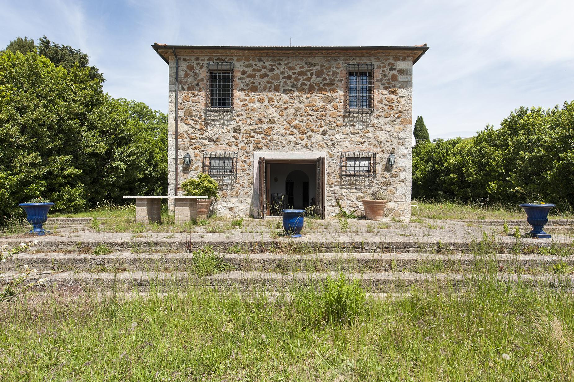 Rustico in Vendita a Roccalbegna: 5 locali, 450 mq