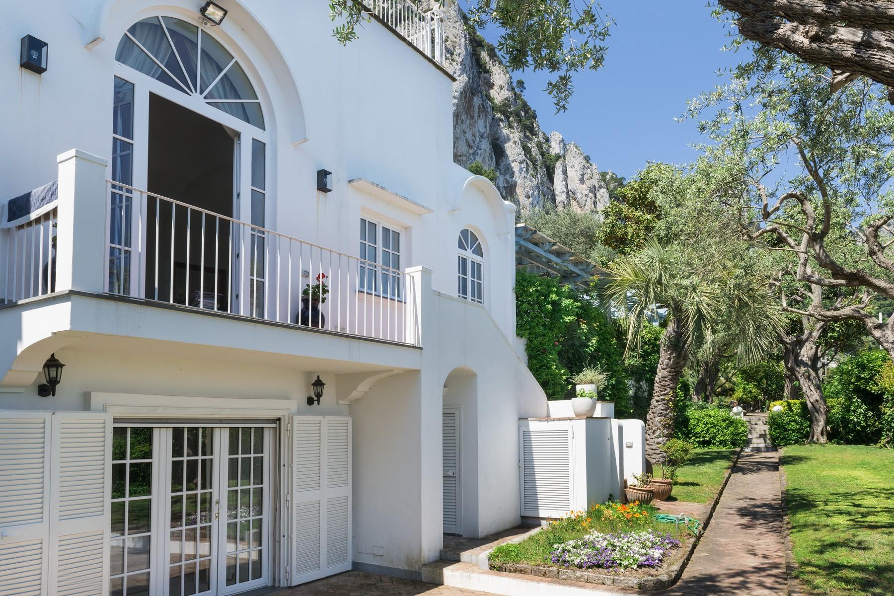 Villa in Vendita a Capri via aiano di sopra