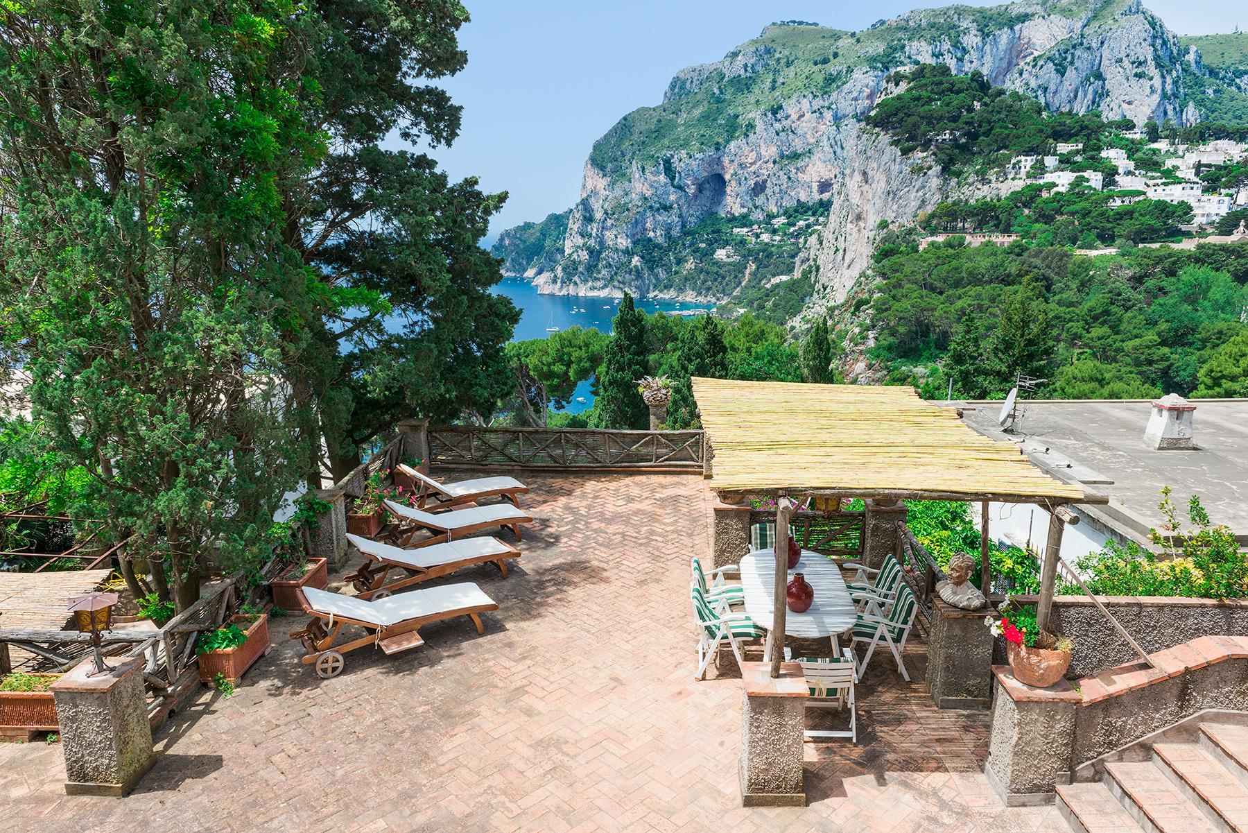 Villa in Vendita a Capri via tragara