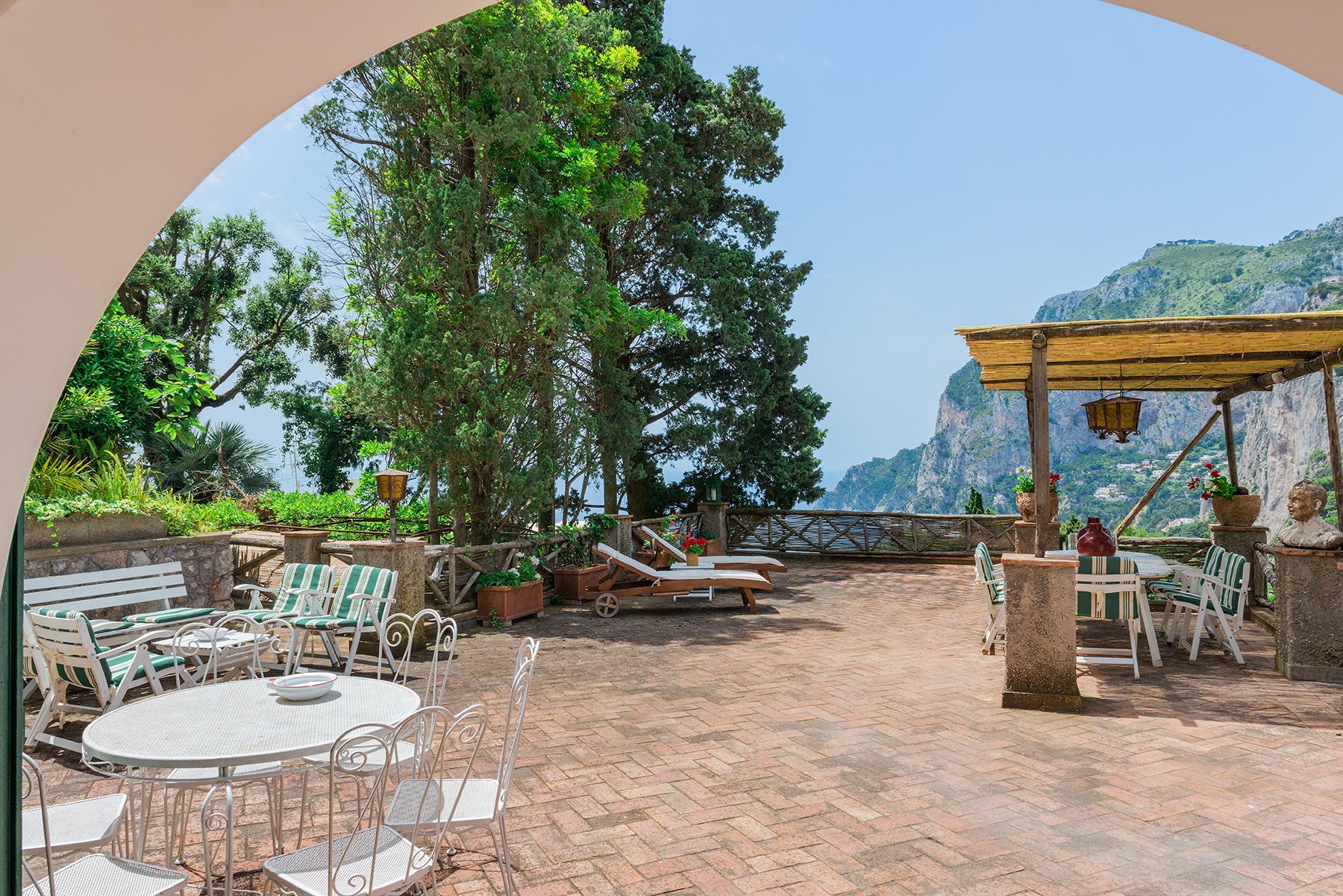 Villa in Vendita a Capri: 5 locali, 300 mq - Foto 13
