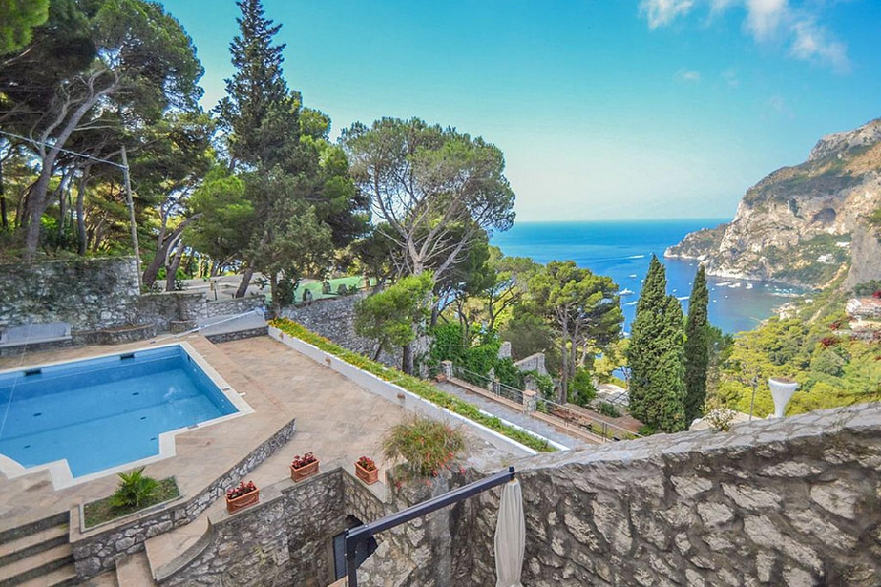 Villa in Vendita a Capri via tuoro