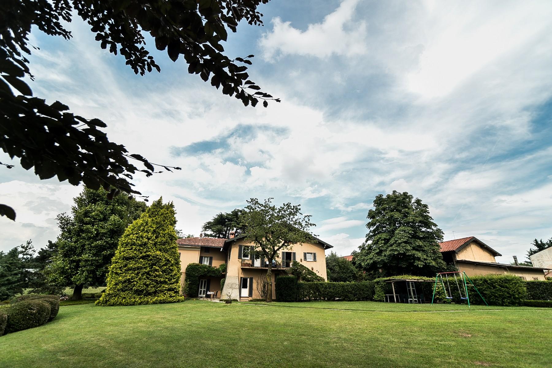 Villa in Vendita a Carimate: 5 locali, 800 mq - Foto 4