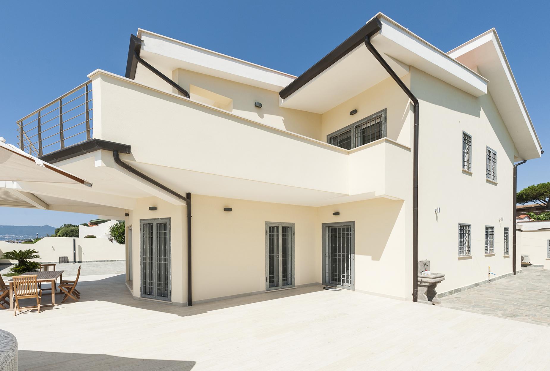 Villa in Vendita a Terracina:  5 locali, 300 mq  - Foto 1