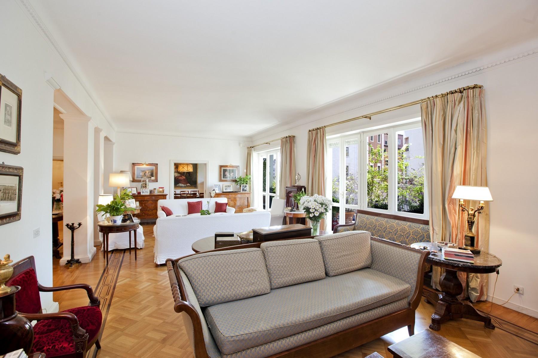 Appartamento in Vendita a Roma: 5 locali, 360 mq - Foto 2