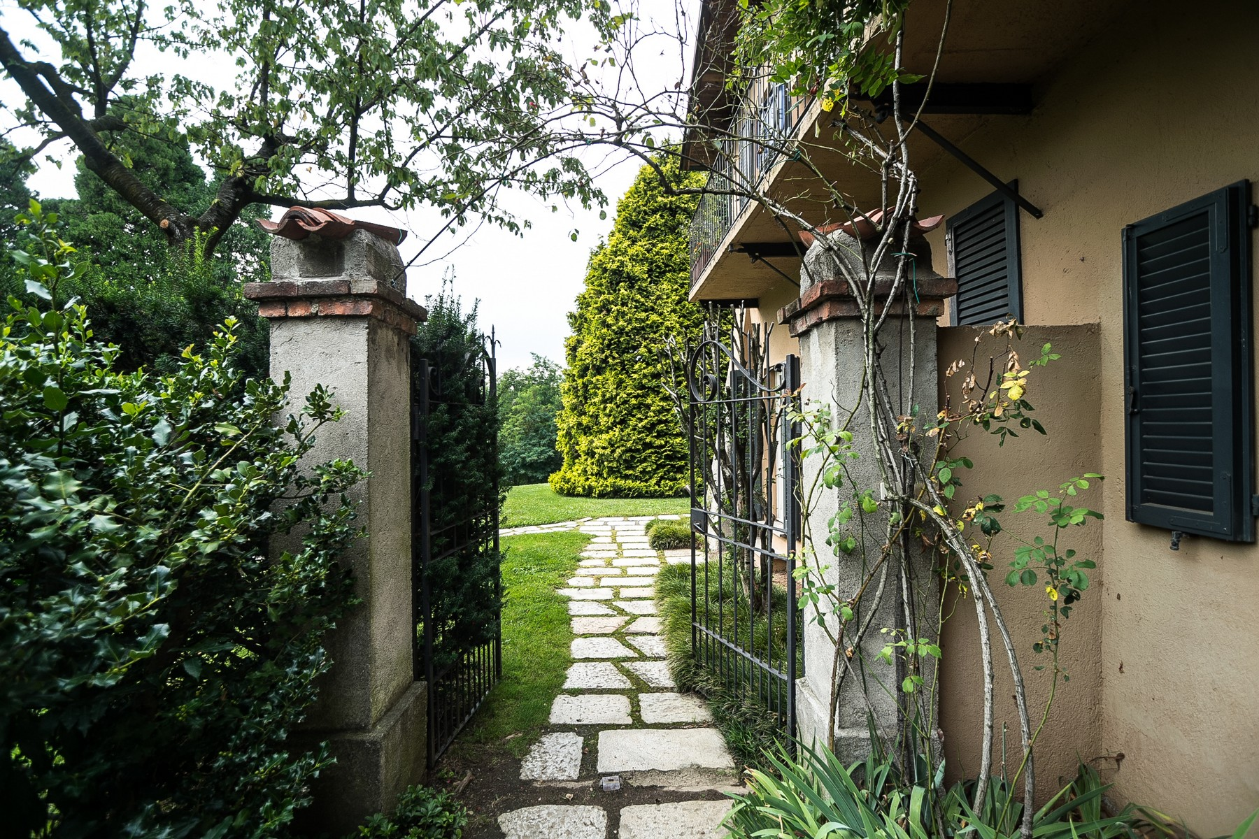 Villa in Vendita a Carimate: 5 locali, 800 mq - Foto 2