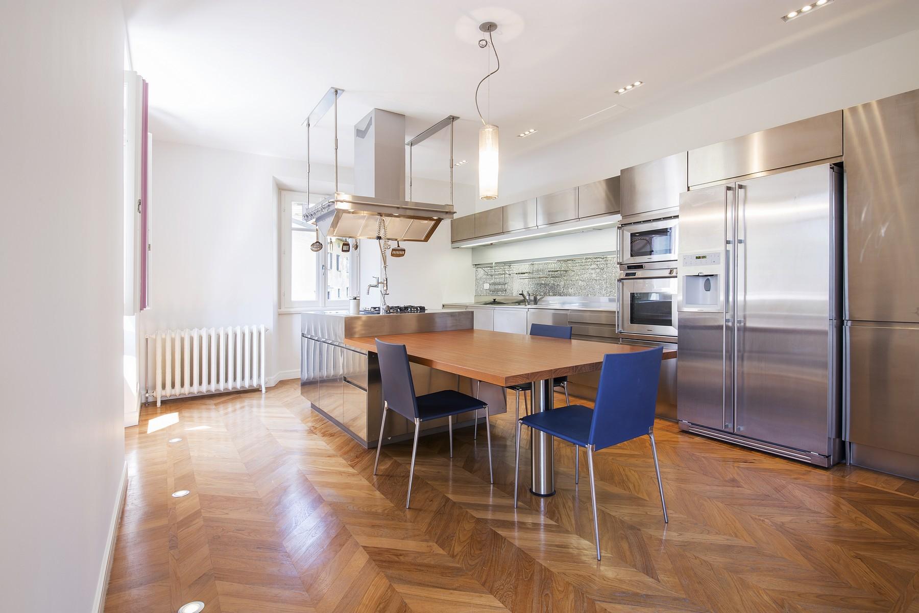 Appartamento in Vendita a Moltrasio: 5 locali, 250 mq - Foto 3